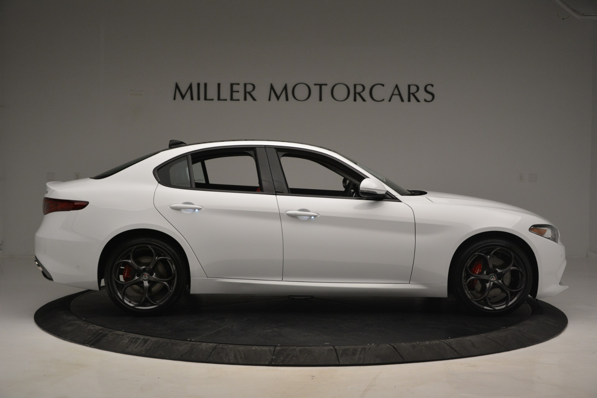 New 2019 Alfa Romeo Giulia Ti Sport Q4 For Sale In Greenwich, CT. Alfa Romeo of Greenwich, L545 2839_p9