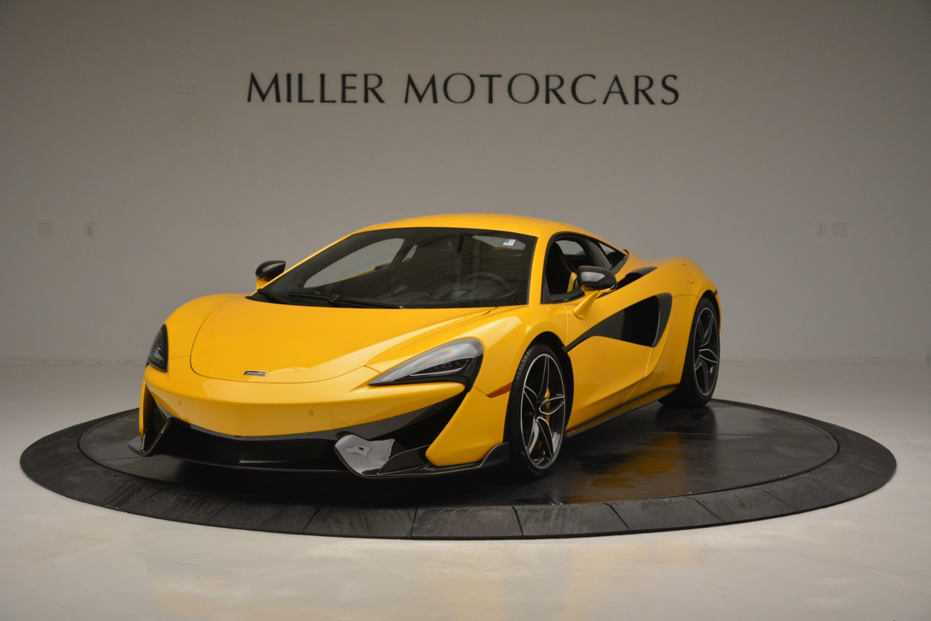 Used 2017 McLaren 570S  For Sale In Greenwich, CT. Alfa Romeo of Greenwich, 3146 2843_main