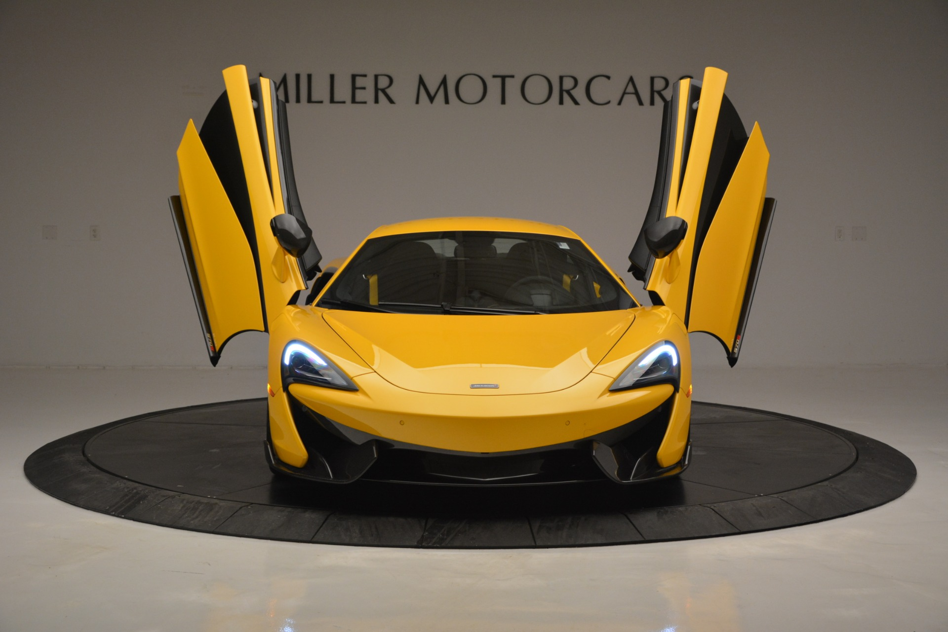 Used 2017 McLaren 570S  For Sale In Greenwich, CT. Alfa Romeo of Greenwich, 3146 2843_p13
