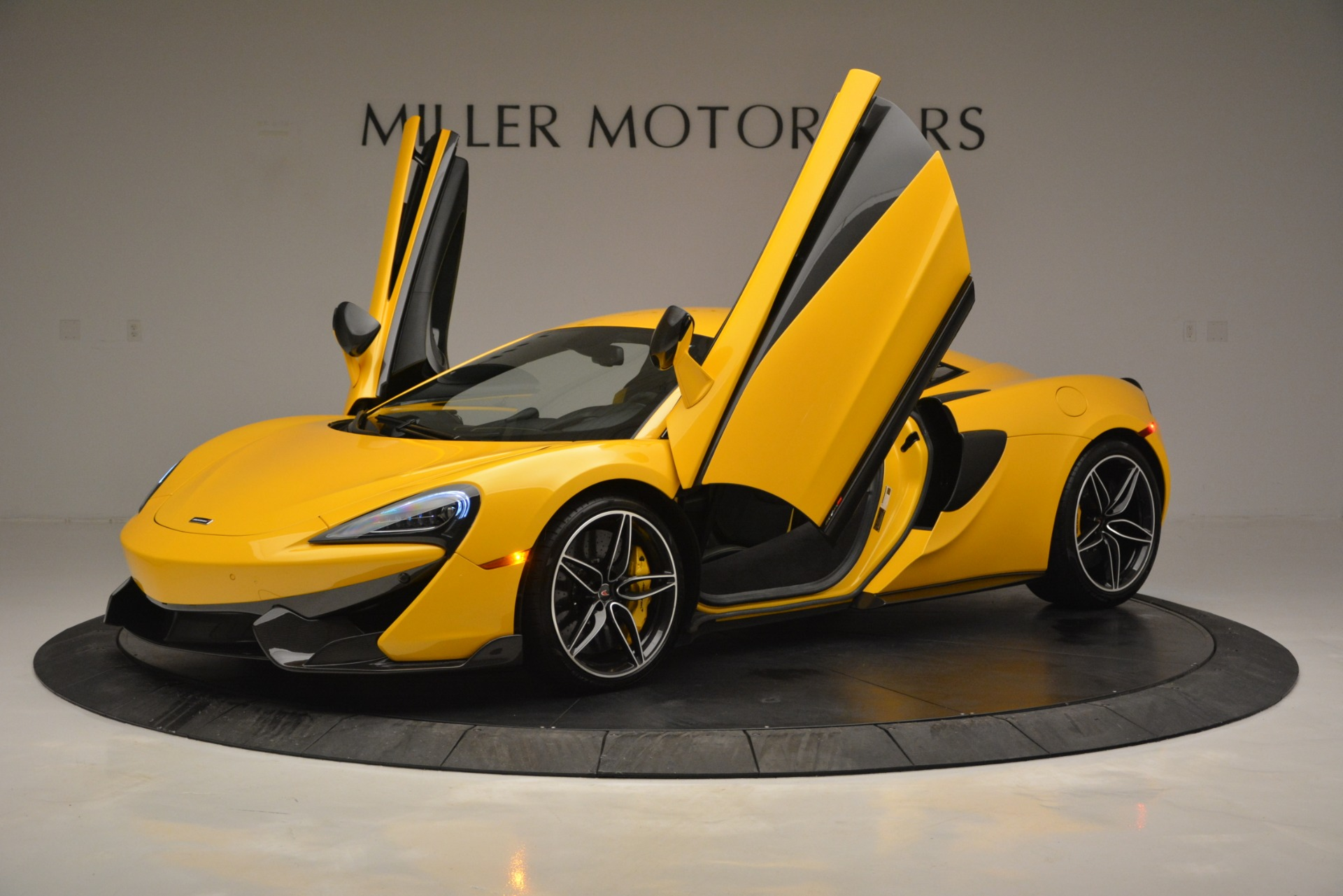 Used 2017 McLaren 570S  For Sale In Greenwich, CT. Alfa Romeo of Greenwich, 3146 2843_p14