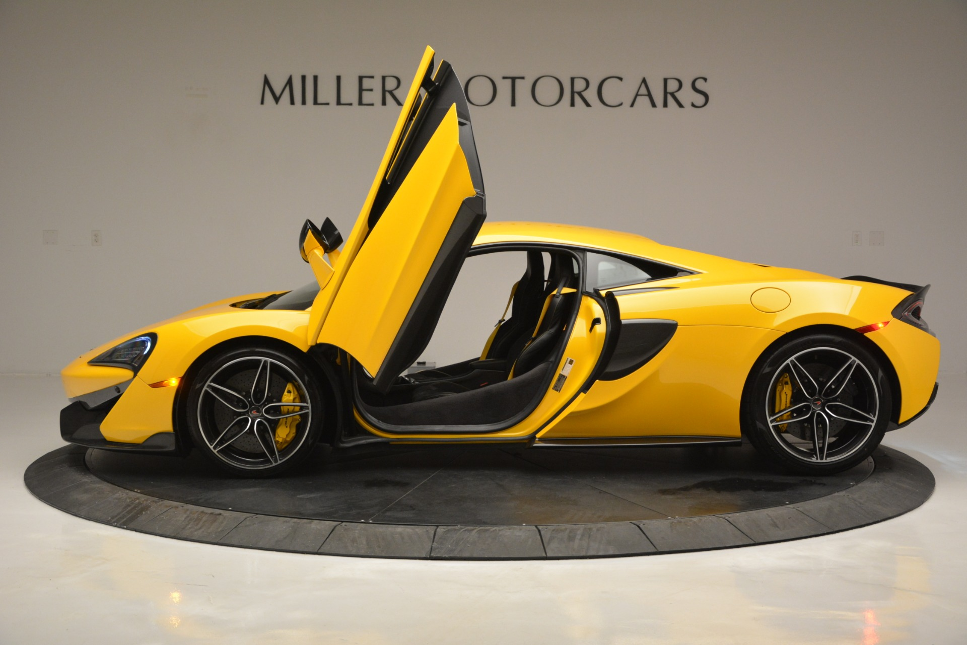 Used 2017 McLaren 570S  For Sale In Greenwich, CT. Alfa Romeo of Greenwich, 3146 2843_p15