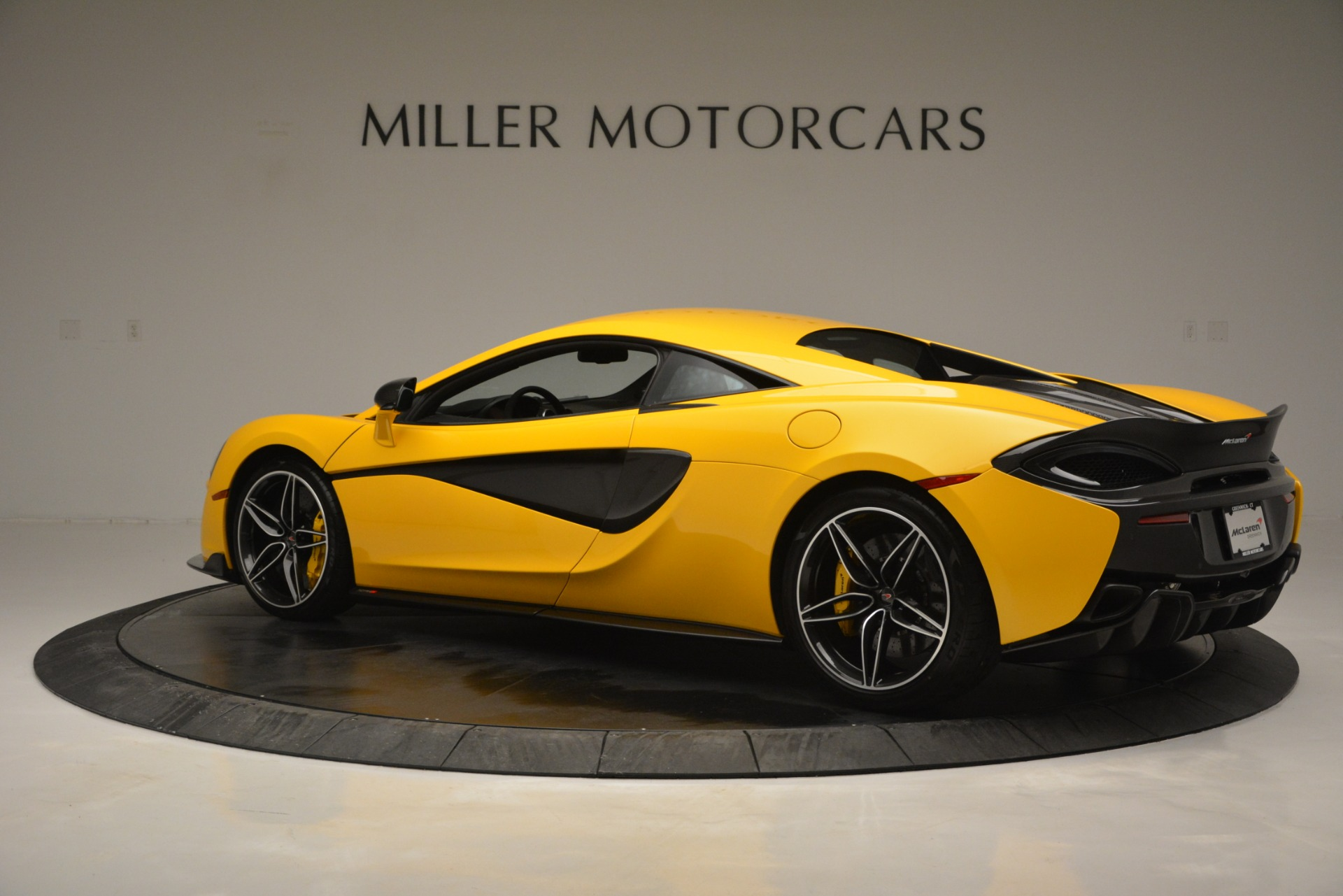 Used 2017 McLaren 570S  For Sale In Greenwich, CT. Alfa Romeo of Greenwich, 3146 2843_p4