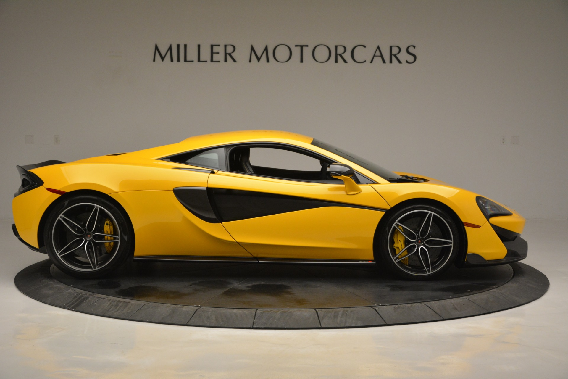 Used 2017 McLaren 570S  For Sale In Greenwich, CT. Alfa Romeo of Greenwich, 3146 2843_p9