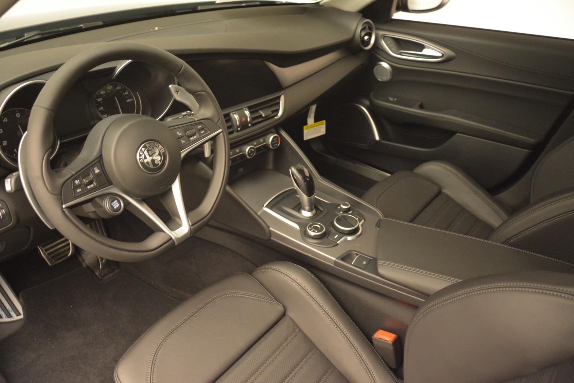 New 2019 Alfa Romeo Giulia Ti Sport Q4 For Sale In Greenwich, CT. Alfa Romeo of Greenwich, L549 2857_p13