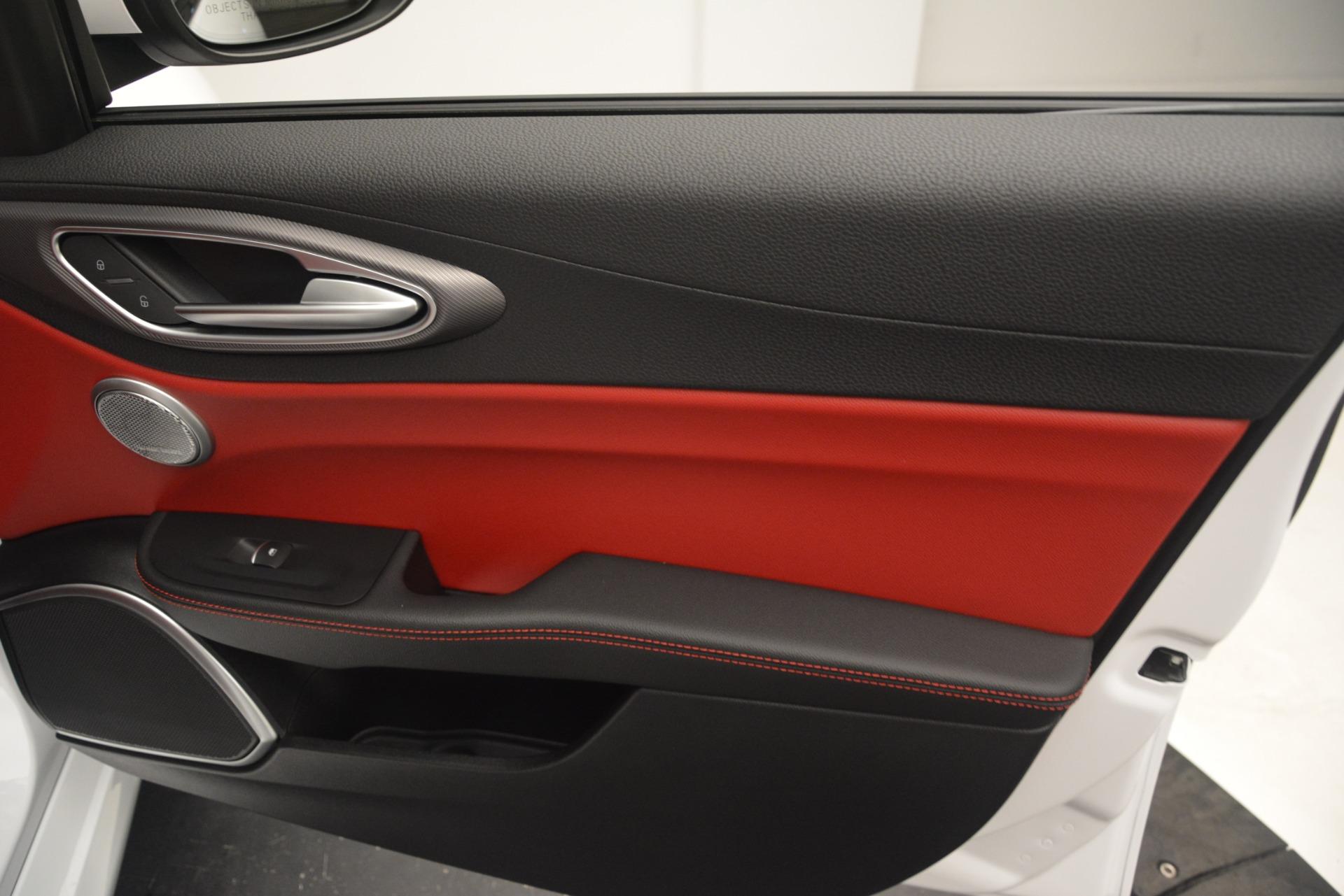 New 2019 Alfa Romeo Giulia Ti Sport Q4 For Sale In Greenwich, CT. Alfa Romeo of Greenwich, L550 2859_p25