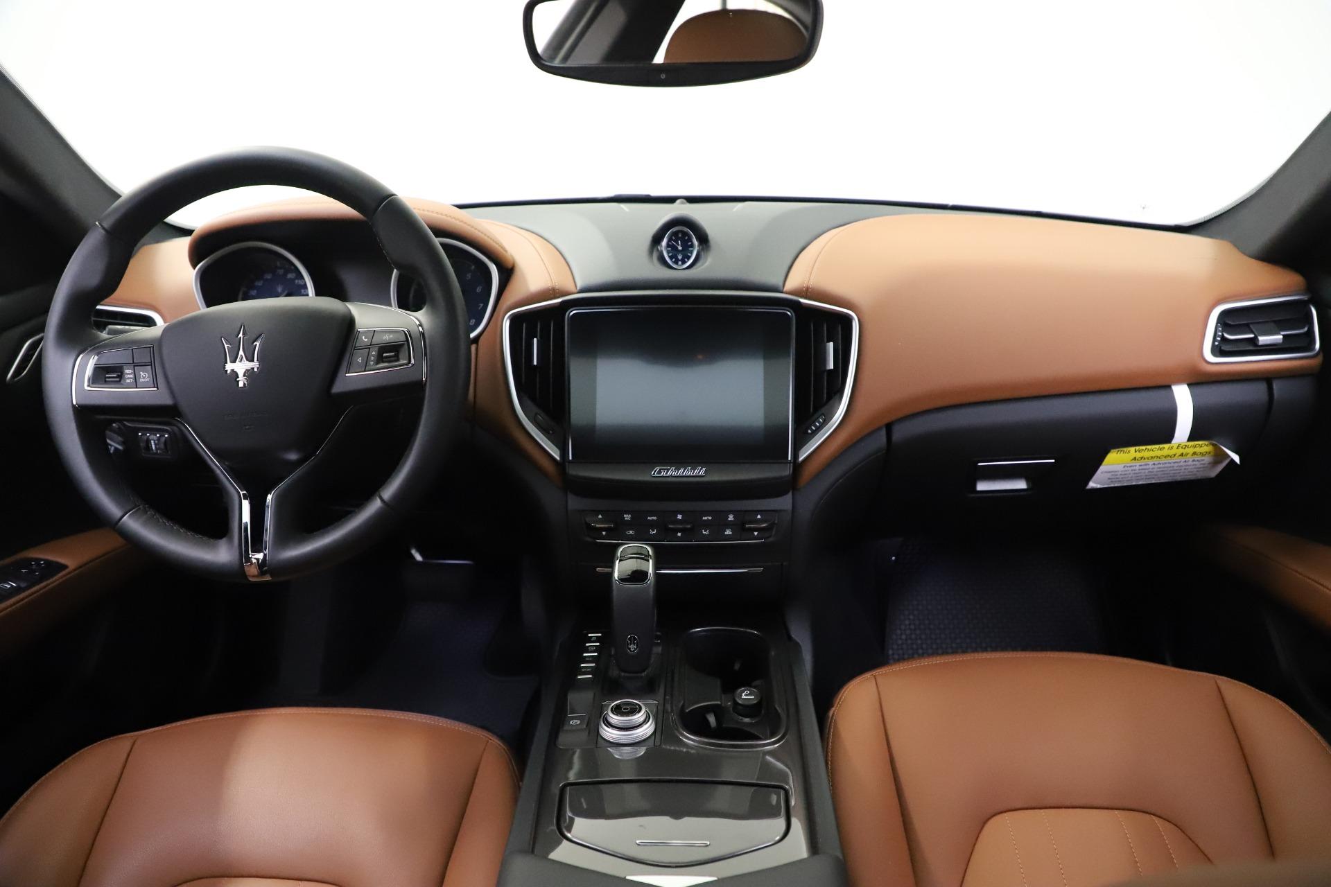 New 2019 Maserati Ghibli S Q4 For Sale In Greenwich, CT. Alfa Romeo of Greenwich, M2327 2879_p16