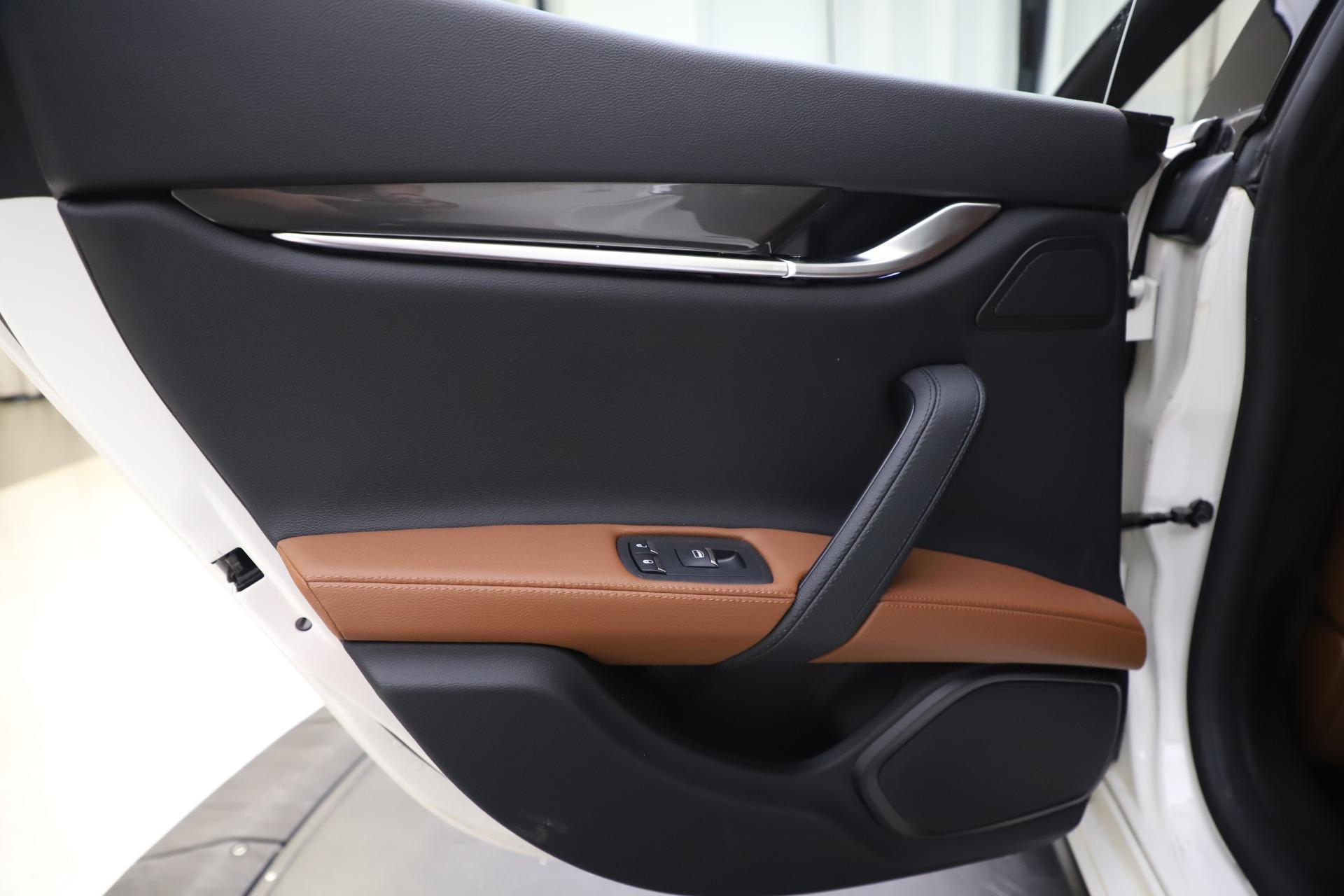 New 2019 Maserati Ghibli S Q4 For Sale In Greenwich, CT. Alfa Romeo of Greenwich, M2327 2879_p21