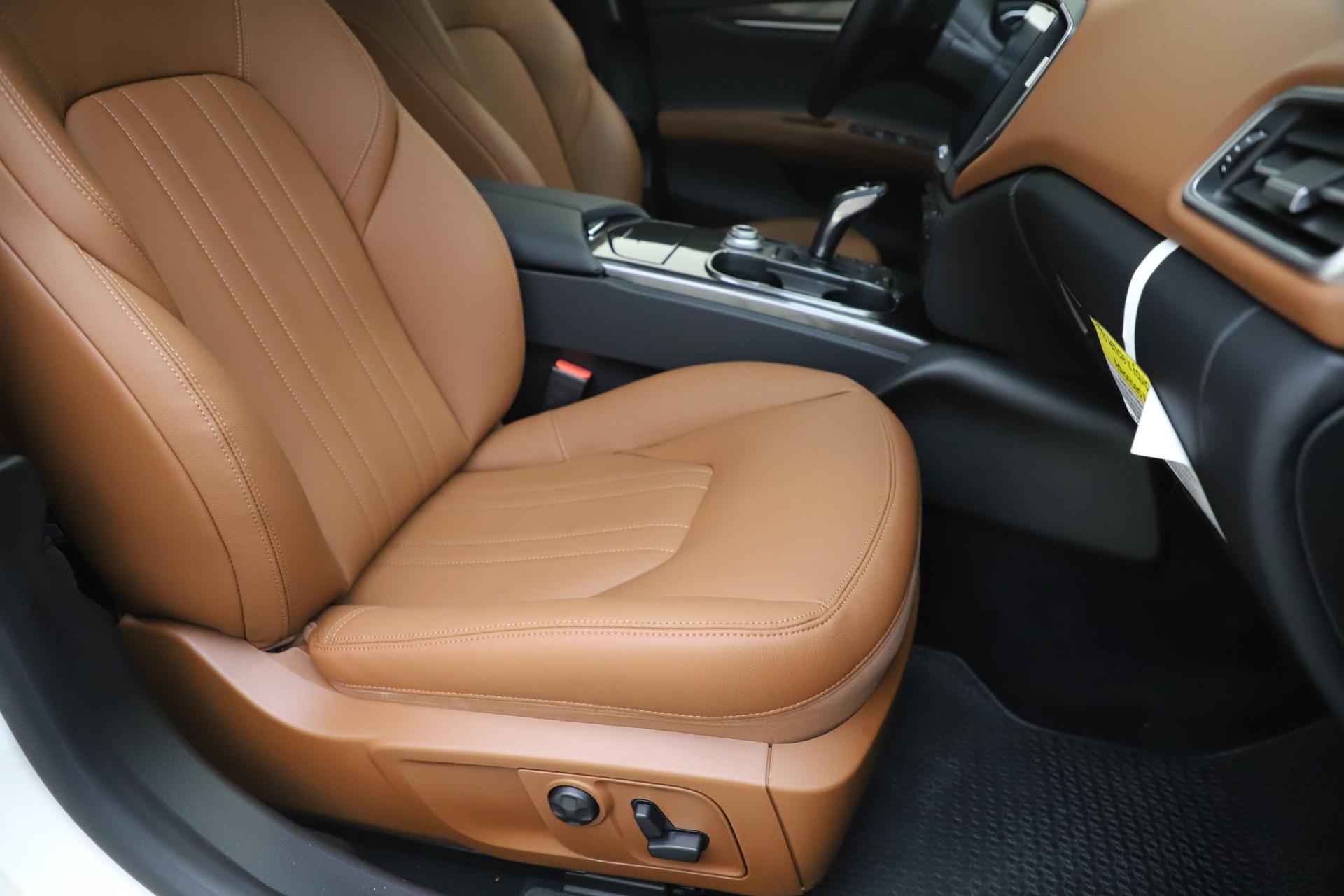 New 2019 Maserati Ghibli S Q4 For Sale In Greenwich, CT. Alfa Romeo of Greenwich, M2327 2879_p24