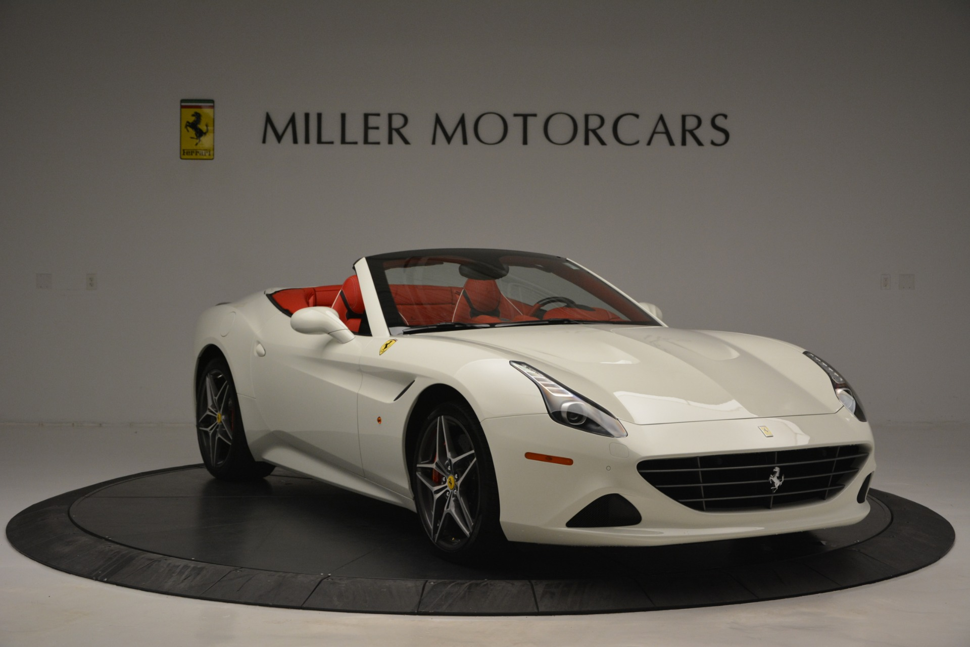 Used 2017 Ferrari California T Handling Speciale For Sale In Greenwich, CT. Alfa Romeo of Greenwich, F1936A 2881_p11