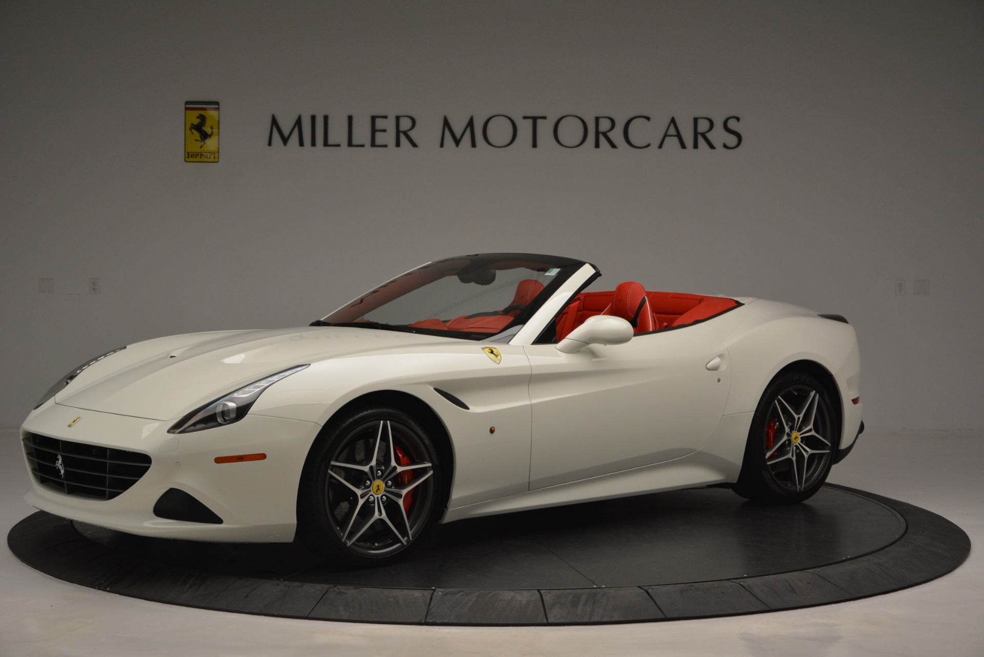 Used 2017 Ferrari California T Handling Speciale For Sale In Greenwich, CT. Alfa Romeo of Greenwich, F1936A 2881_p2
