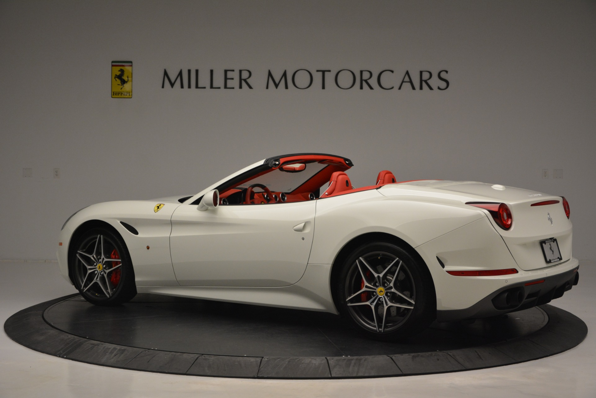 Used 2017 Ferrari California T Handling Speciale For Sale In Greenwich, CT. Alfa Romeo of Greenwich, F1936A 2881_p4