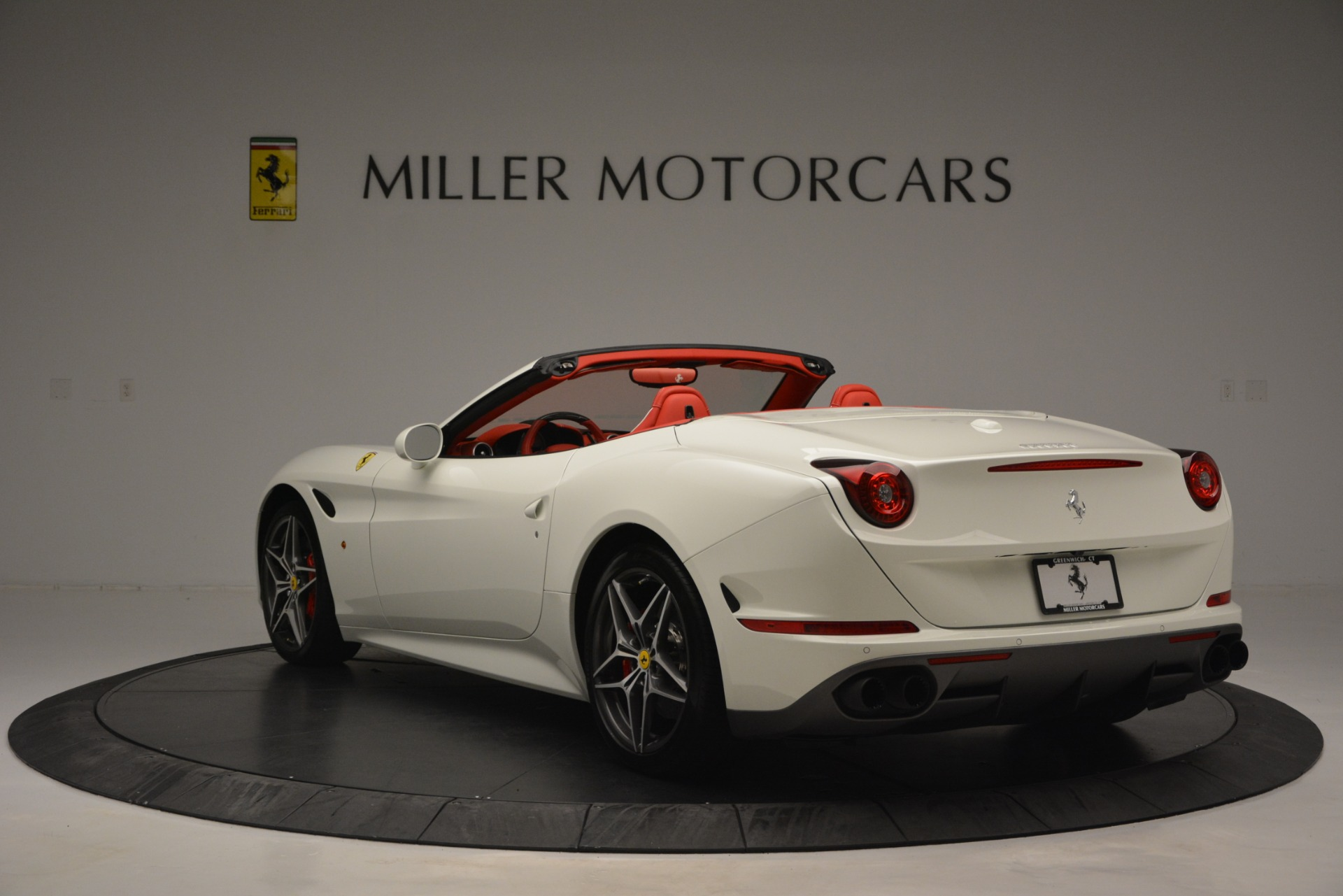Used 2017 Ferrari California T Handling Speciale For Sale In Greenwich, CT. Alfa Romeo of Greenwich, F1936A 2881_p5