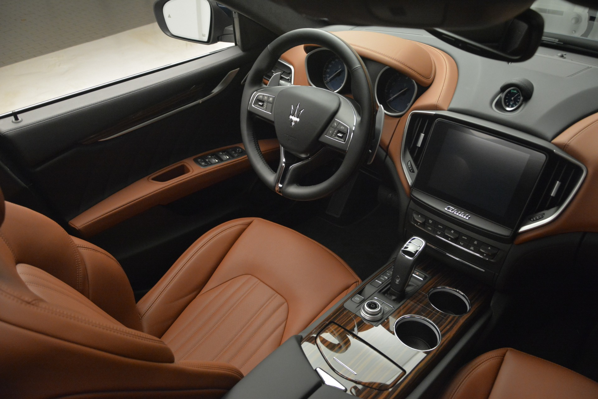 New 2019 Maserati Ghibli S Q4 GranLusso For Sale In Greenwich, CT. Alfa Romeo of Greenwich, M2251 2882_p24