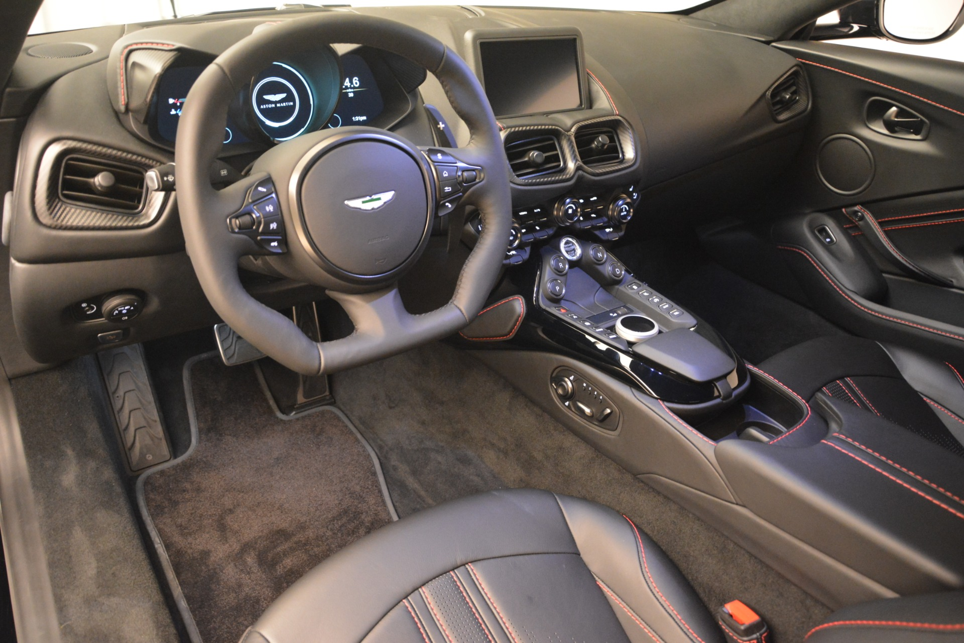 New 2019 Aston Martin Vantage  For Sale In Greenwich, CT. Alfa Romeo of Greenwich, A1337 2886_p14