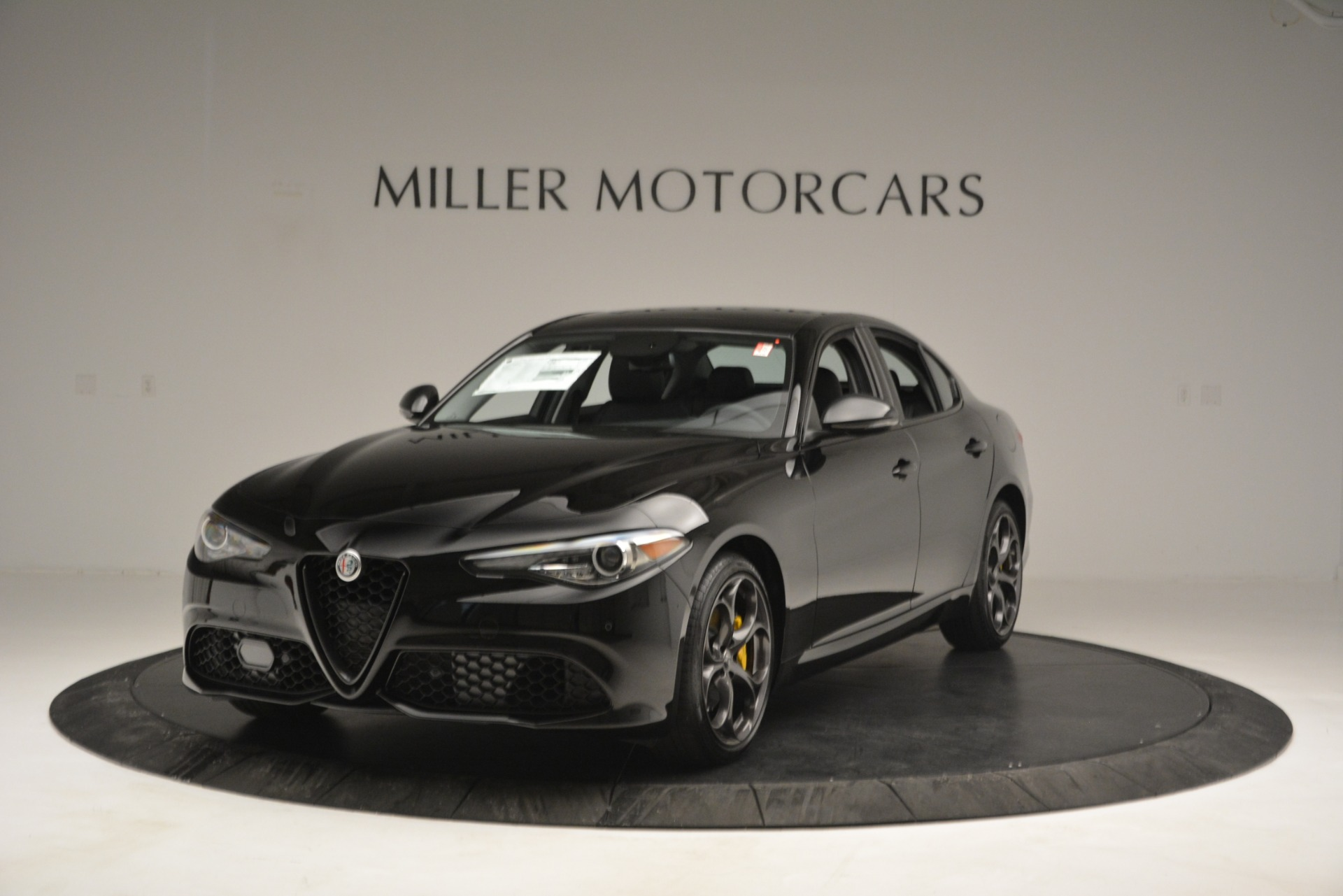 New 2019 Alfa Romeo Giulia Sport Q4 For Sale In Greenwich, CT. Alfa Romeo of Greenwich, L562