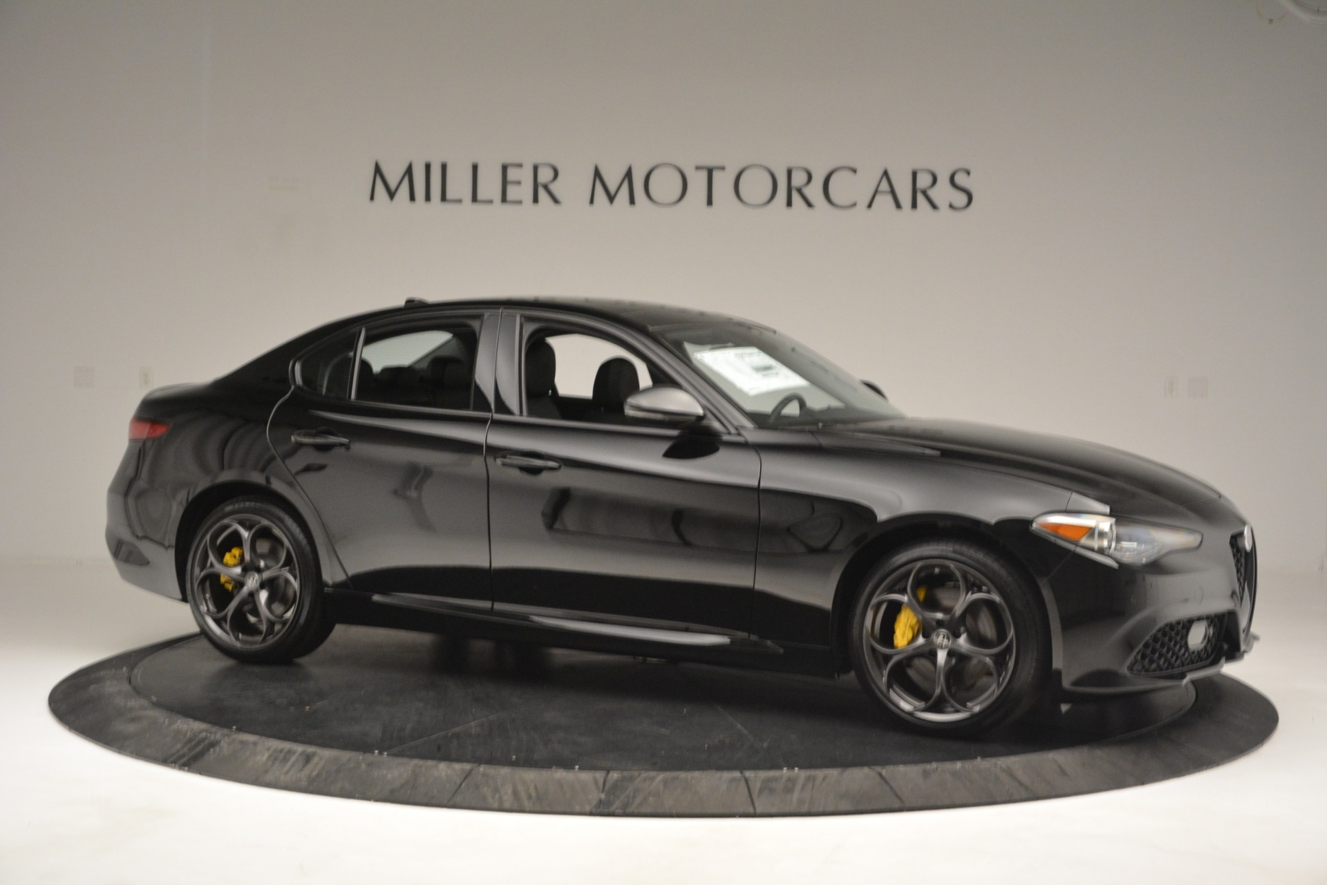New 2019 Alfa Romeo Giulia Sport Q4 For Sale In Greenwich, CT. Alfa Romeo of Greenwich, L562 2891_p10