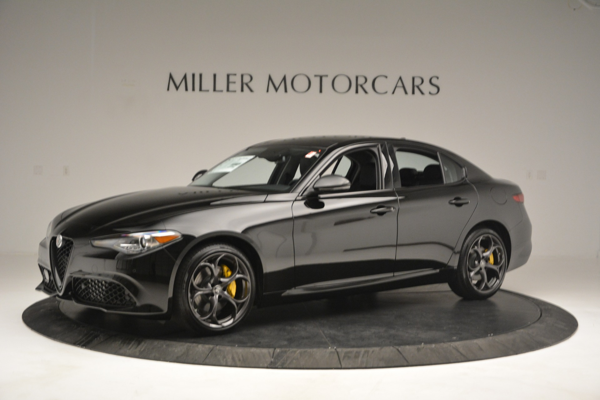 New 2019 Alfa Romeo Giulia Sport Q4 For Sale In Greenwich, CT. Alfa Romeo of Greenwich, L562 2891_p2