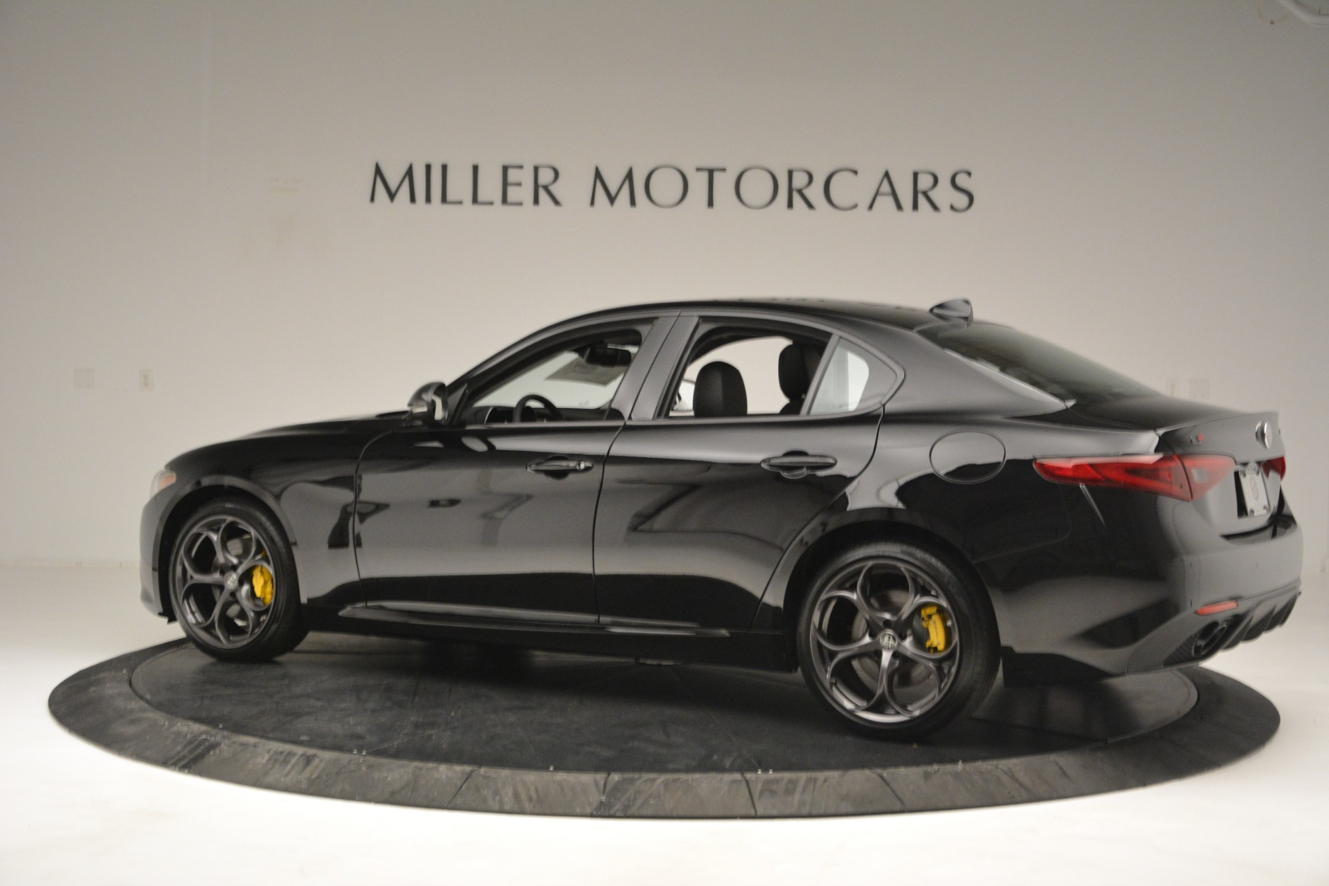New 2019 Alfa Romeo Giulia Sport Q4 For Sale In Greenwich, CT. Alfa Romeo of Greenwich, L562 2891_p4