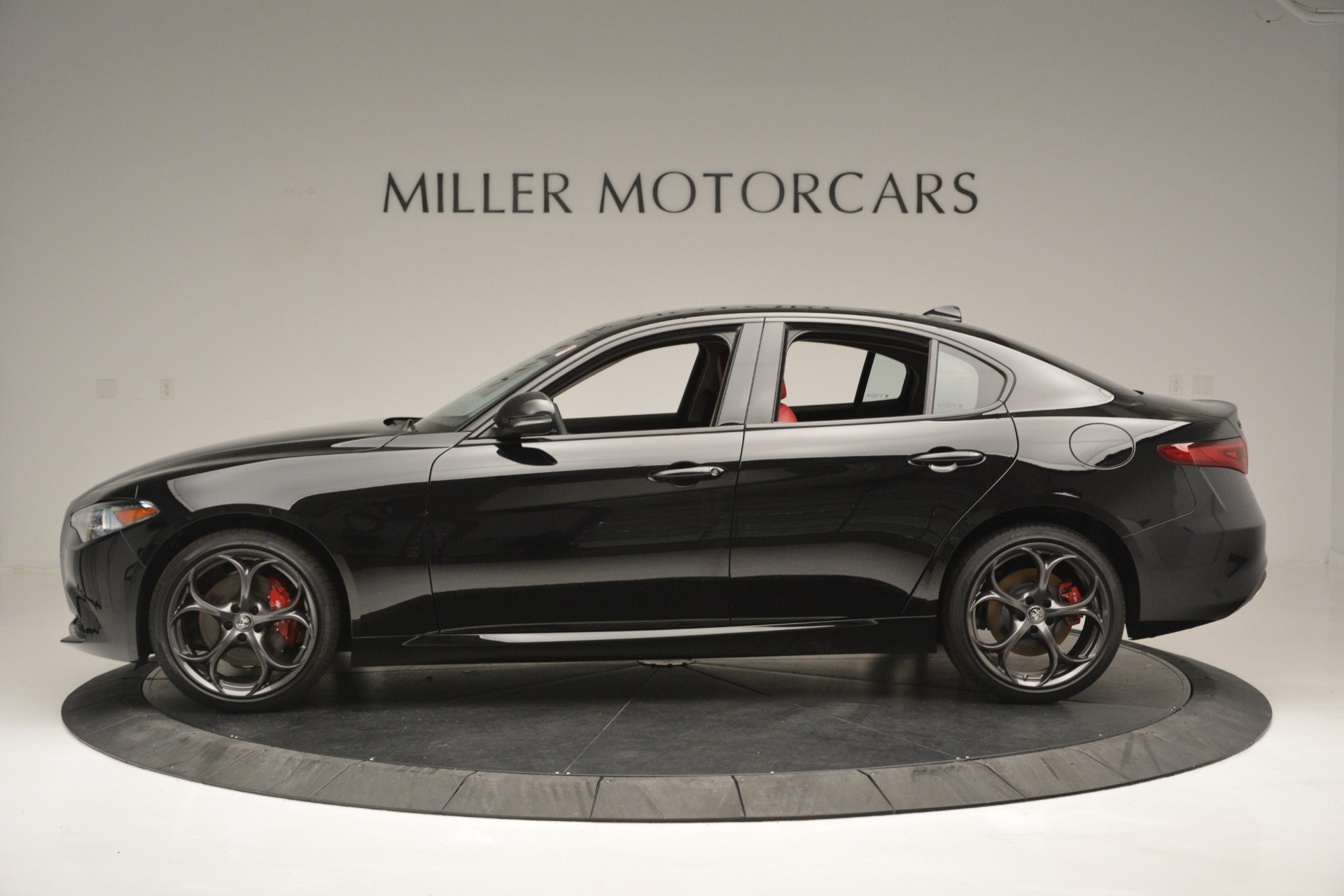 New 2019 Alfa Romeo Giulia Q4 For Sale In Greenwich, CT. Alfa Romeo of Greenwich, L563 2892_p3