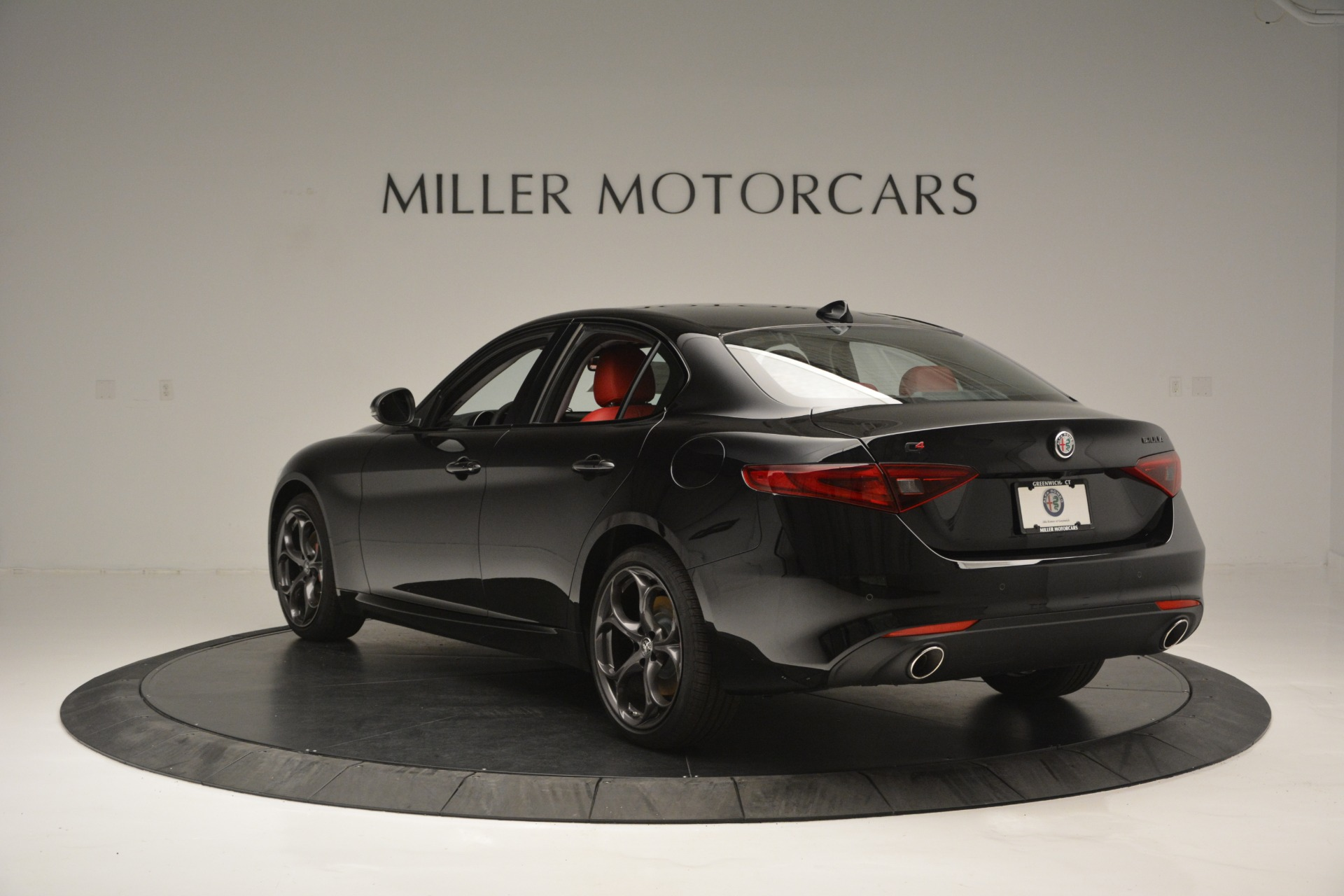 New 2019 Alfa Romeo Giulia Q4 For Sale In Greenwich, CT. Alfa Romeo of Greenwich, L563 2892_p5
