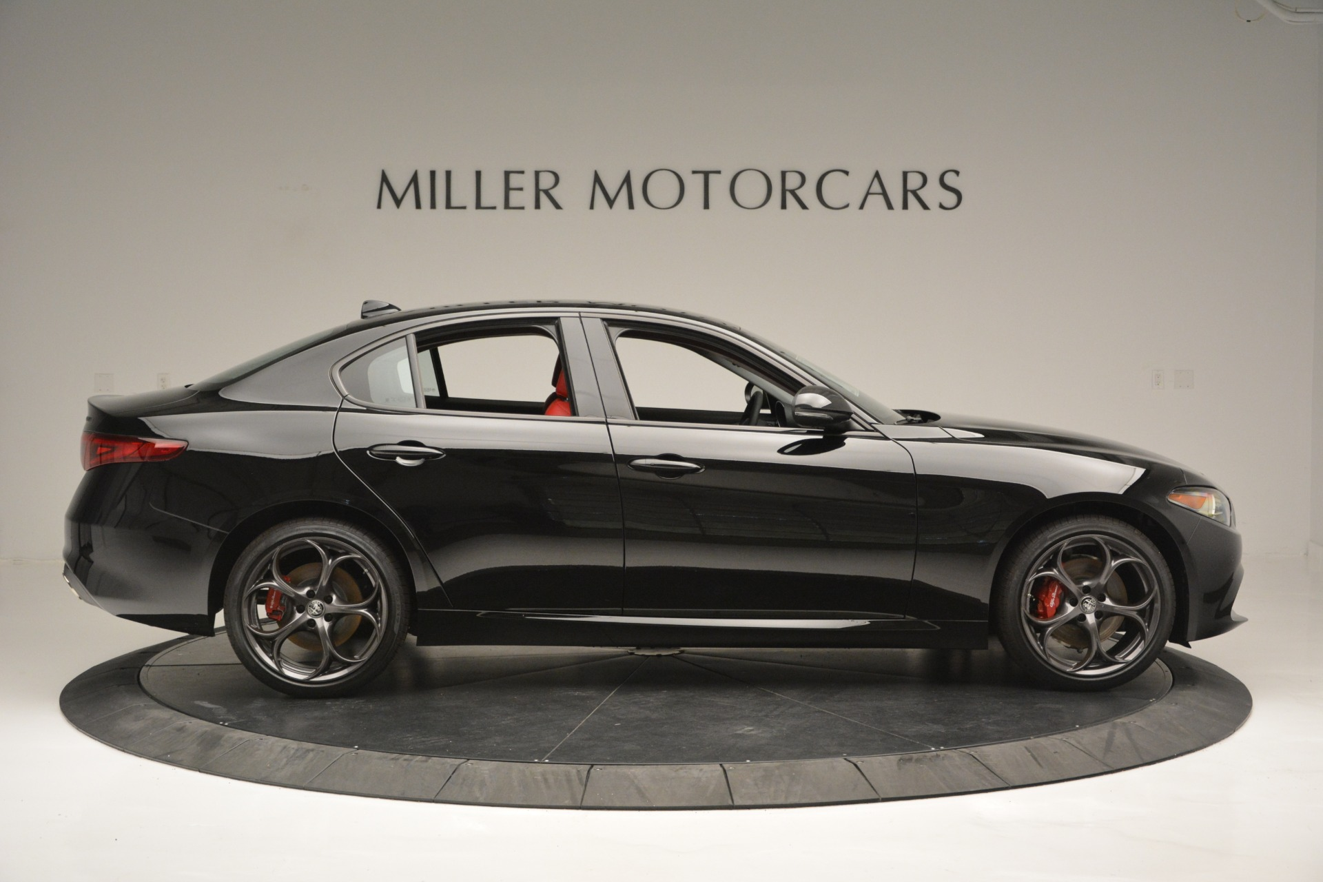 New 2019 Alfa Romeo Giulia Q4 For Sale In Greenwich, CT. Alfa Romeo of Greenwich, L563 2892_p9