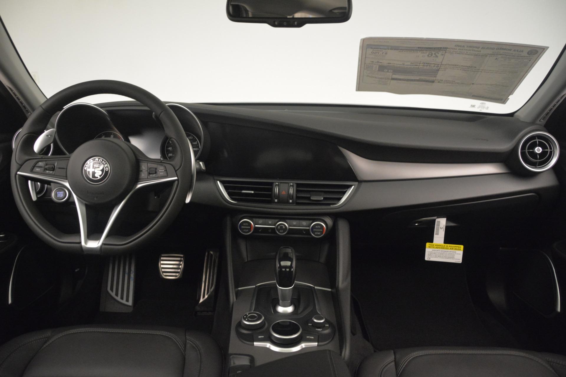 New 2019 Alfa Romeo Giulia Sport Q4 For Sale In Greenwich, CT. Alfa Romeo of Greenwich, L564 2893_p16