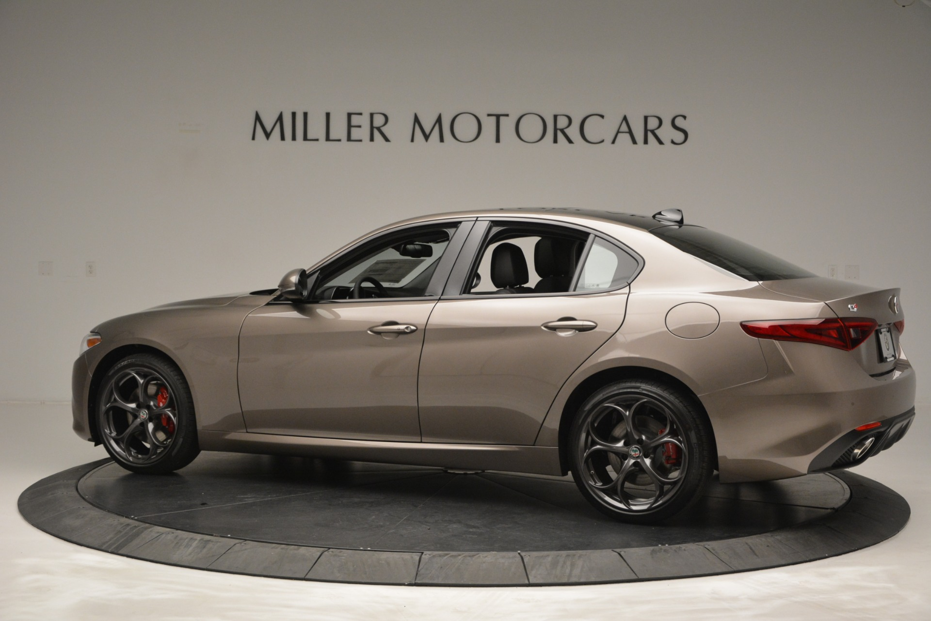New 2019 Alfa Romeo Giulia Ti Sport Q4 For Sale In Greenwich, CT. Alfa Romeo of Greenwich, L565 2894_p5