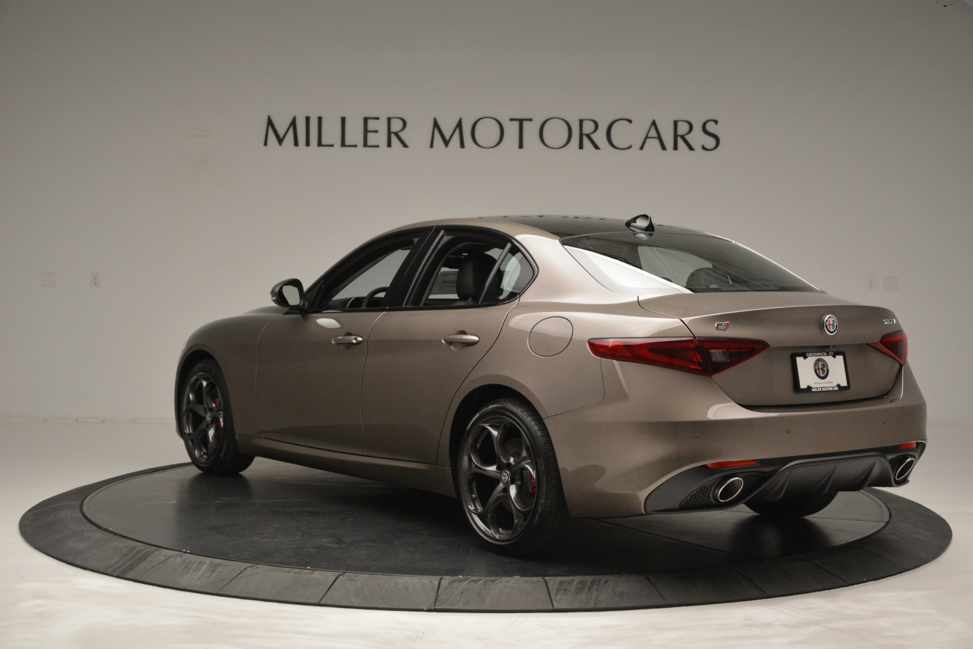New 2019 Alfa Romeo Giulia Ti Sport Q4 For Sale In Greenwich, CT. Alfa Romeo of Greenwich, L565 2894_p6
