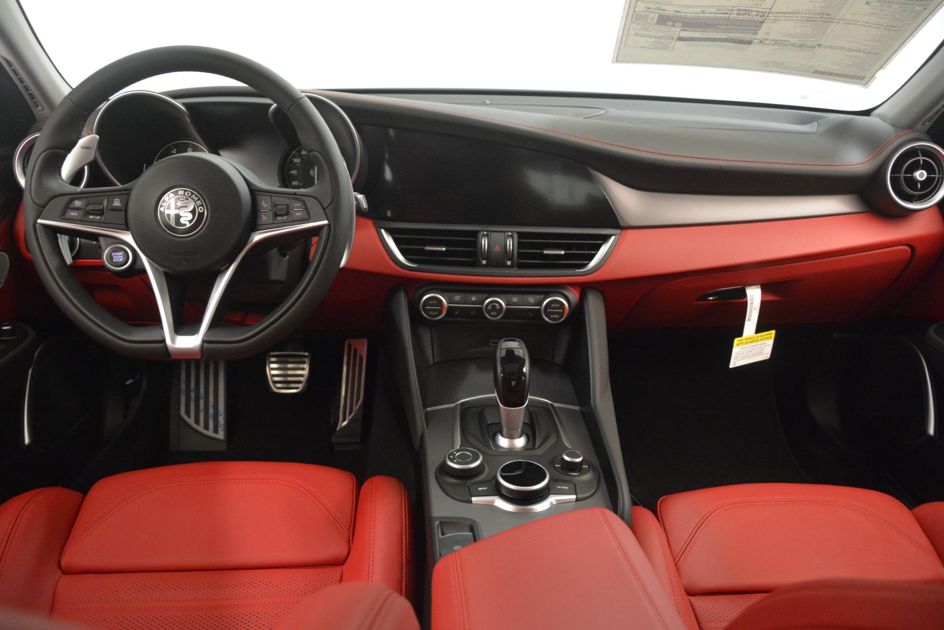 New 2019 Alfa Romeo Giulia Ti Sport Q4 For Sale In Greenwich, CT. Alfa Romeo of Greenwich, L567 2896_p16