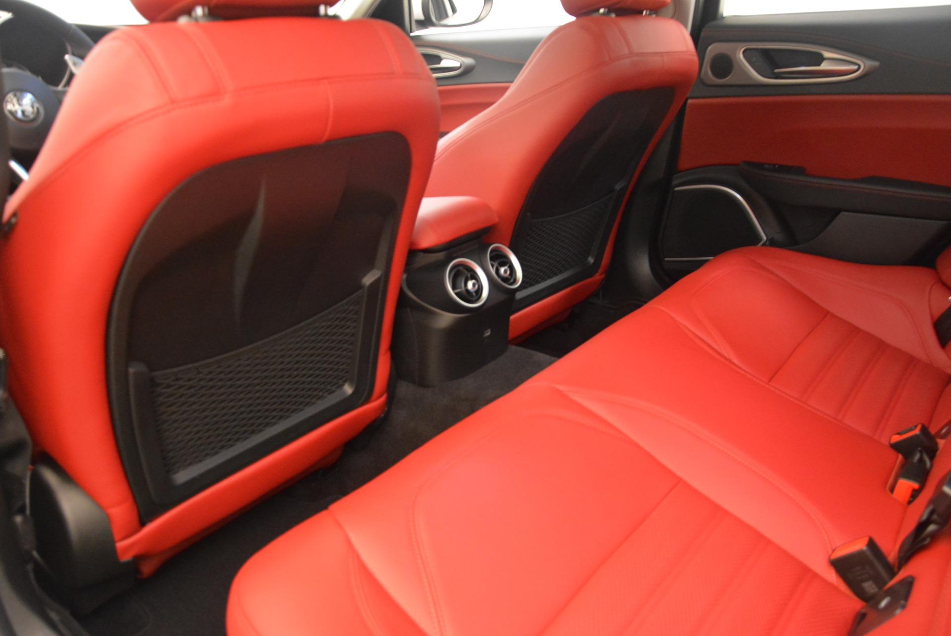 New 2019 Alfa Romeo Giulia Ti Sport Q4 For Sale In Greenwich, CT. Alfa Romeo of Greenwich, L568 2897_p16