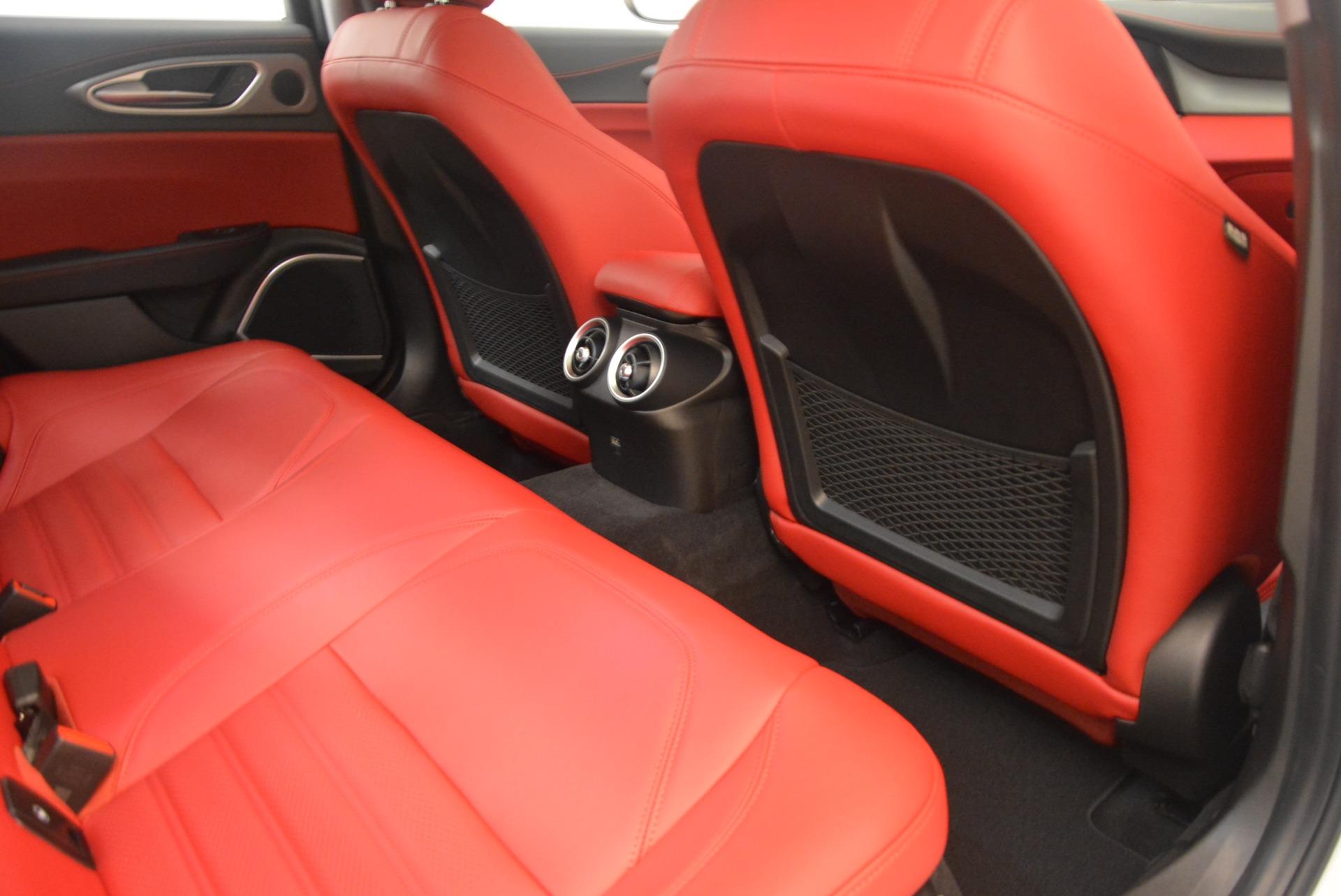 New 2019 Alfa Romeo Giulia Ti Sport Q4 For Sale In Greenwich, CT. Alfa Romeo of Greenwich, L568 2897_p22