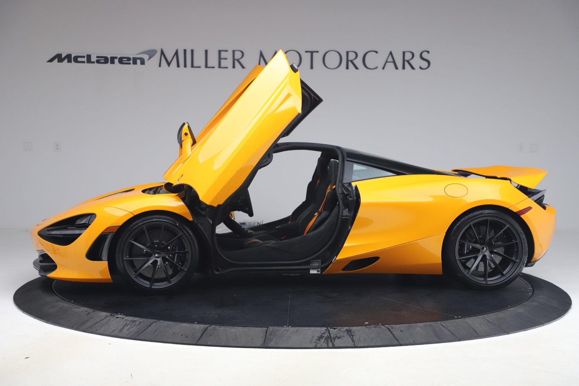 New 2019 McLaren 720S Coupe For Sale In Greenwich, CT. Alfa Romeo of Greenwich, MC402 2900_p11