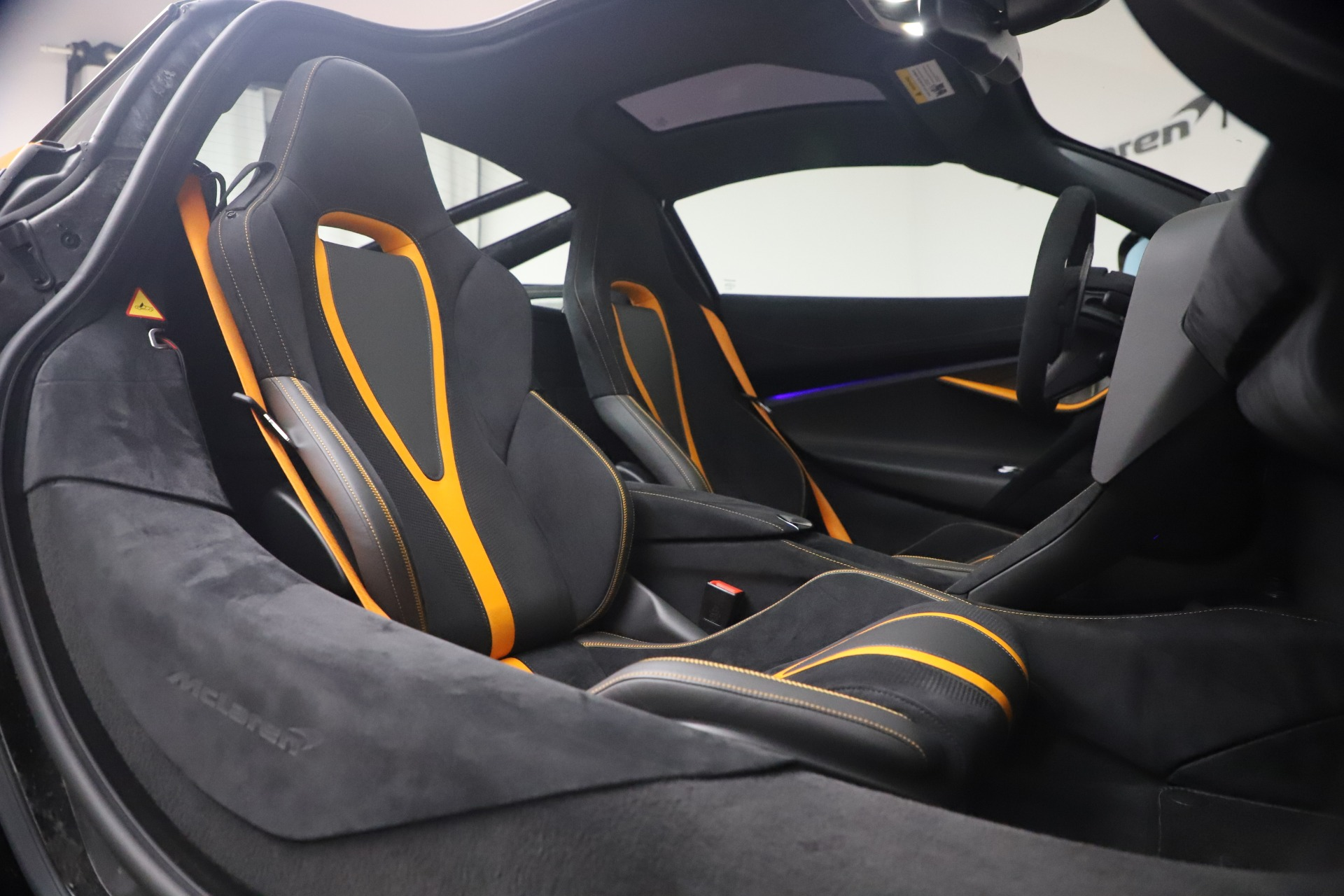 New 2019 McLaren 720S Coupe For Sale In Greenwich, CT. Alfa Romeo of Greenwich, MC402 2900_p19