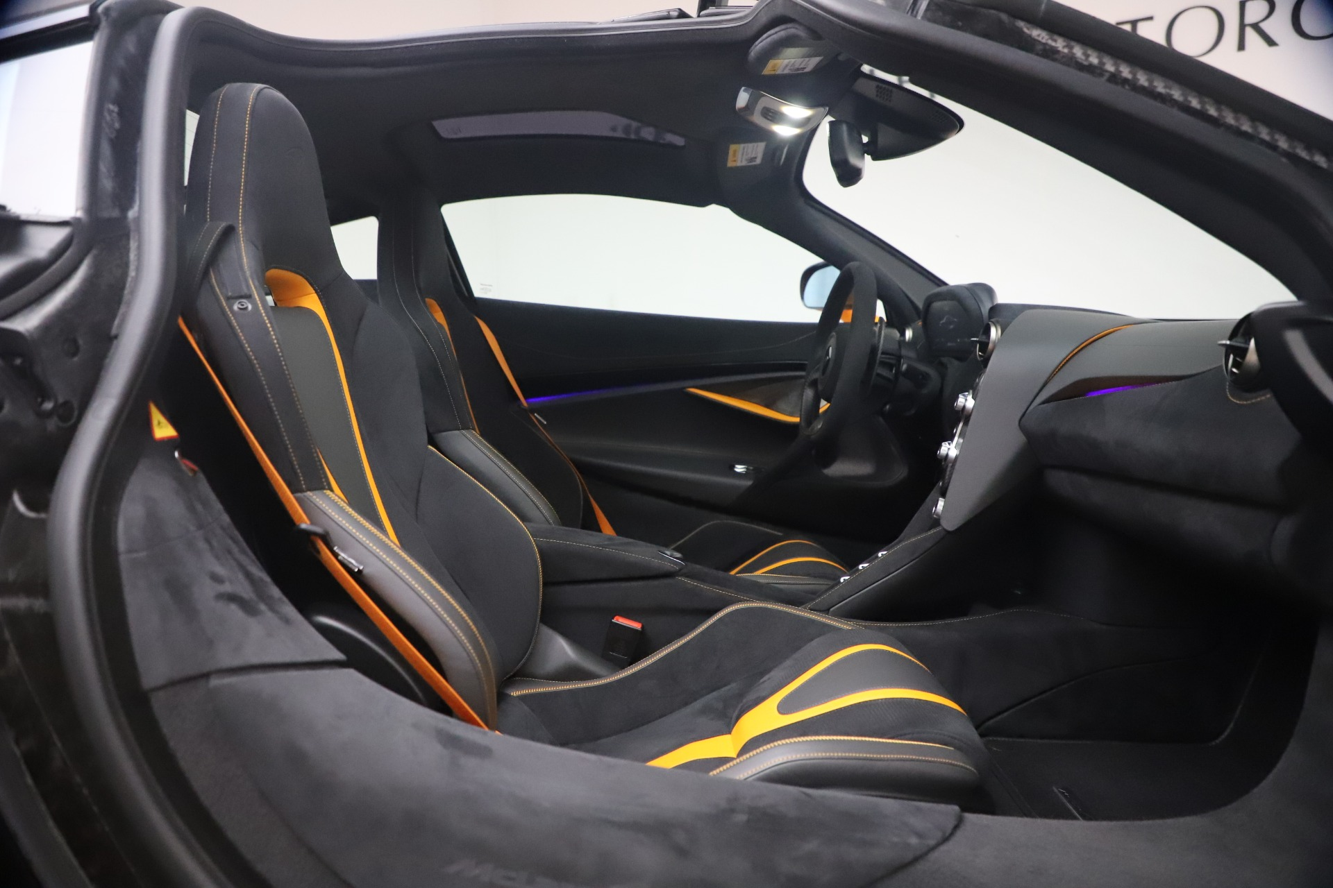 New 2019 McLaren 720S Coupe For Sale In Greenwich, CT. Alfa Romeo of Greenwich, MC402 2900_p20