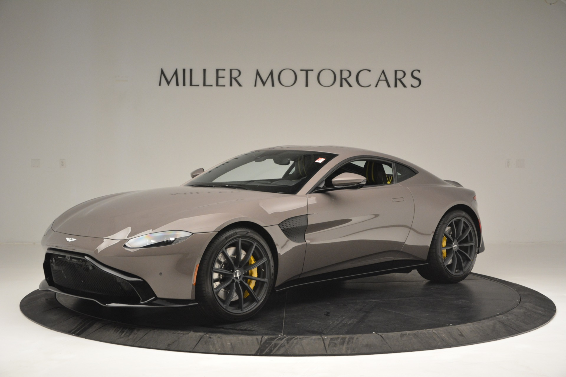 New 2019 Aston Martin Vantage Coupe For Sale $198696 In Greenwich, CT 2901_main
