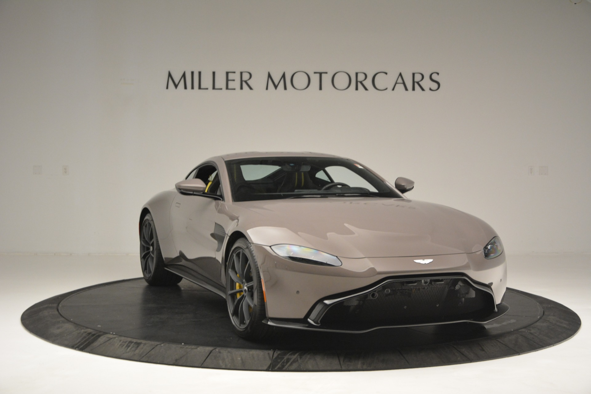 New 2019 Aston Martin Vantage Coupe For Sale $198696 In Greenwich, CT 2901_p11