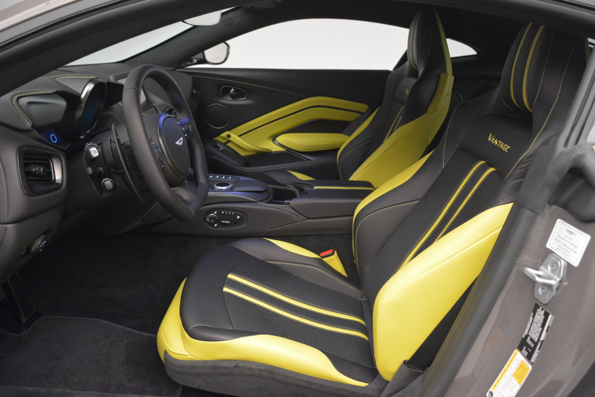 New 2019 Aston Martin Vantage Coupe For Sale $198696 In Greenwich, CT 2901_p13