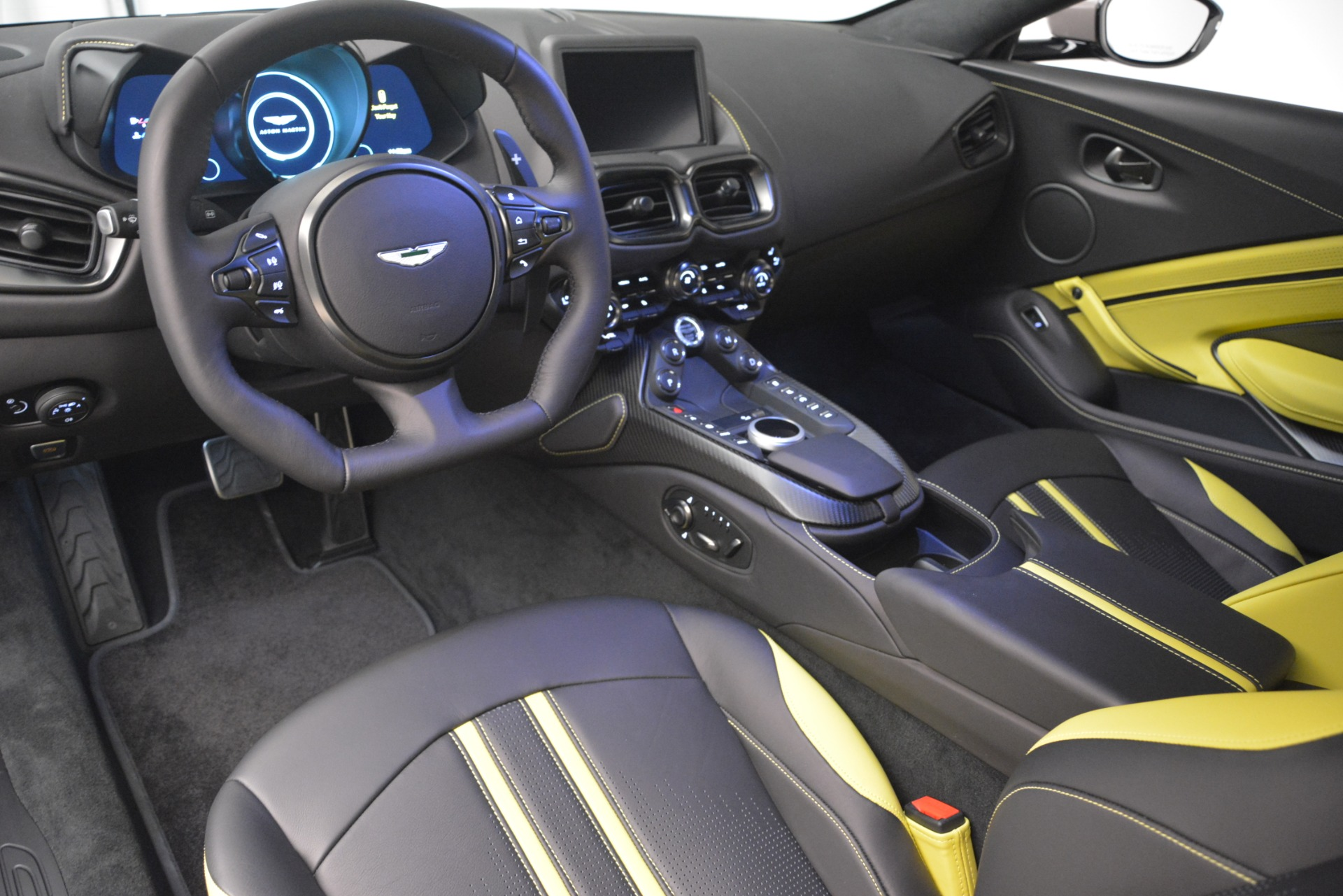 New 2019 Aston Martin Vantage Coupe For Sale $198696 In Greenwich, CT 2901_p14