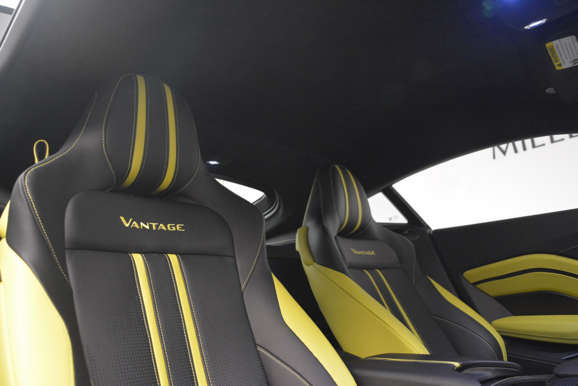 New 2019 Aston Martin Vantage Coupe For Sale $198696 In Greenwich, CT 2901_p17