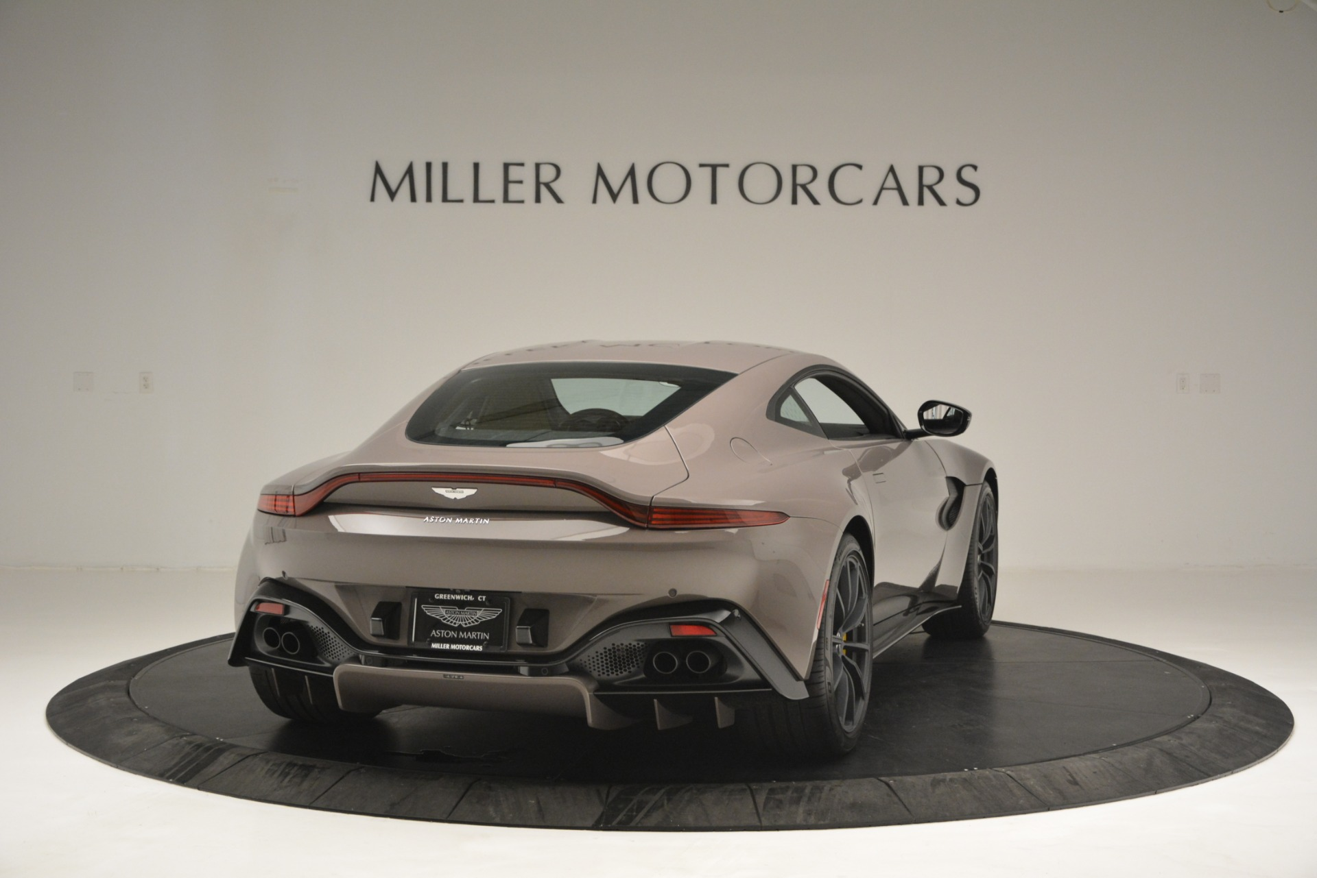 New 2019 Aston Martin Vantage Coupe For Sale $198696 In Greenwich, CT 2901_p3