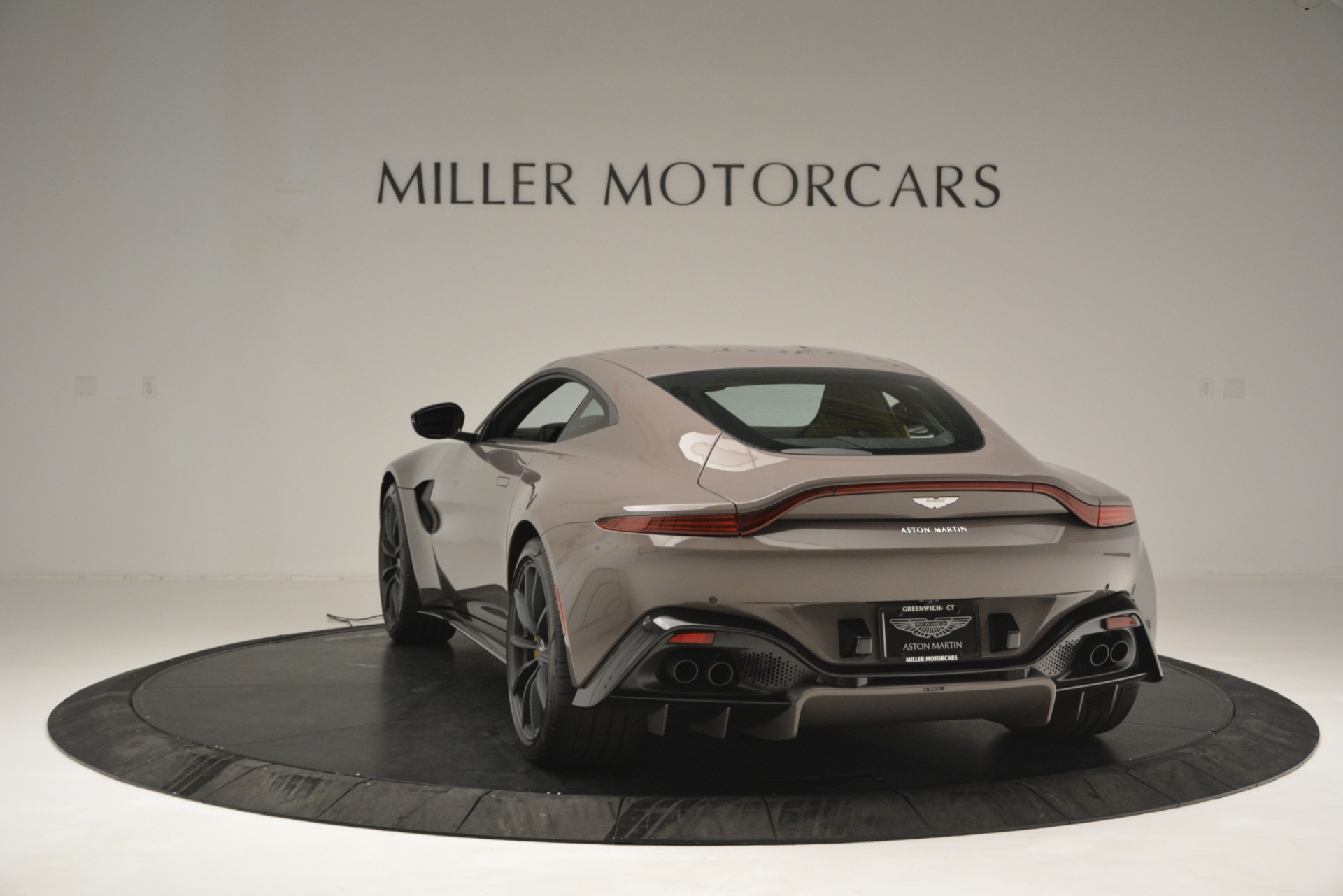 New 2019 Aston Martin Vantage Coupe For Sale $198696 In Greenwich, CT 2901_p7