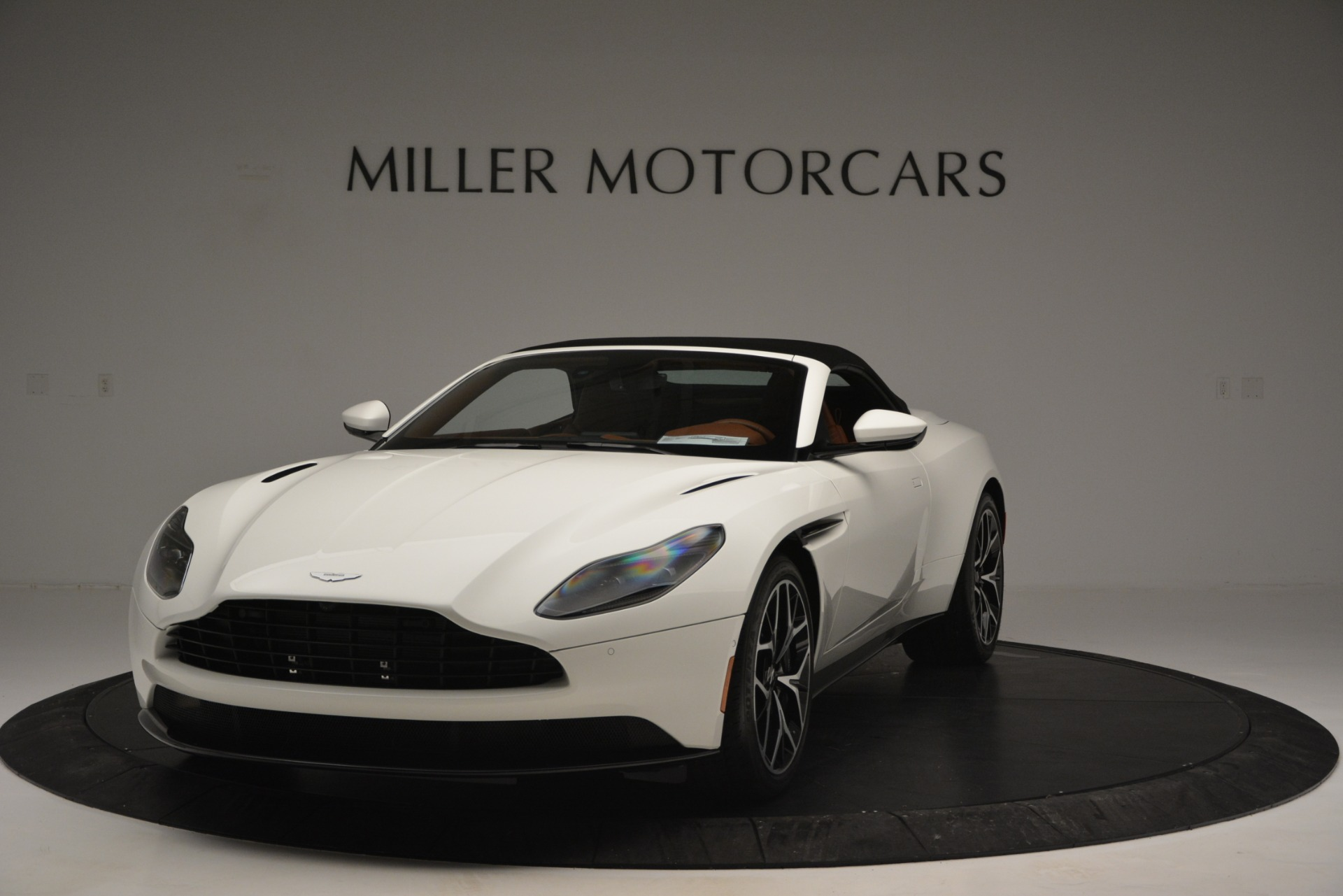 New 2019 Aston Martin DB11 V8 Convertible For Sale In Greenwich, CT. Alfa Romeo of Greenwich, A1334 2903_p13