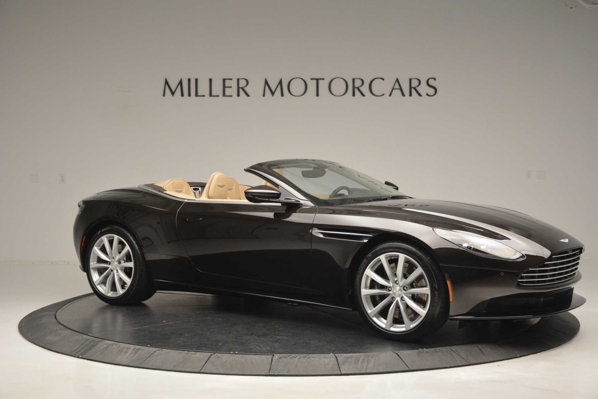 New 2019 Aston Martin DB11 V8 Convertible For Sale In Greenwich, CT. Alfa Romeo of Greenwich, A1338 2905_p10