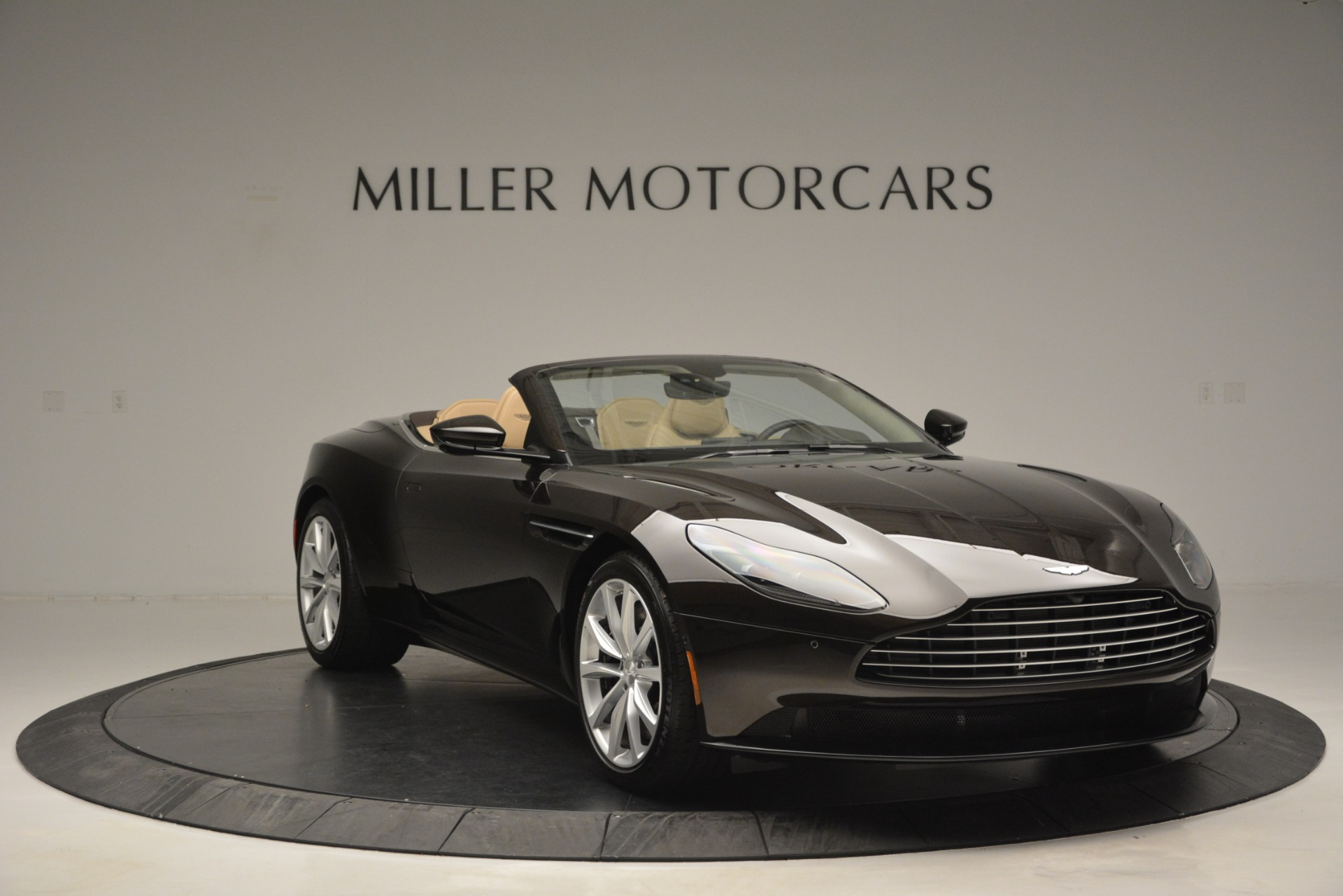New 2019 Aston Martin DB11 V8 Convertible For Sale In Greenwich, CT. Alfa Romeo of Greenwich, A1338 2905_p11