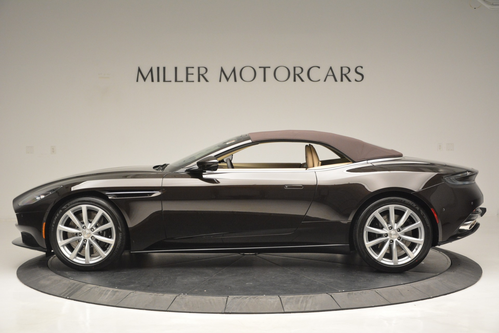 New 2019 Aston Martin DB11 V8 Convertible For Sale In Greenwich, CT. Alfa Romeo of Greenwich, A1338 2905_p15