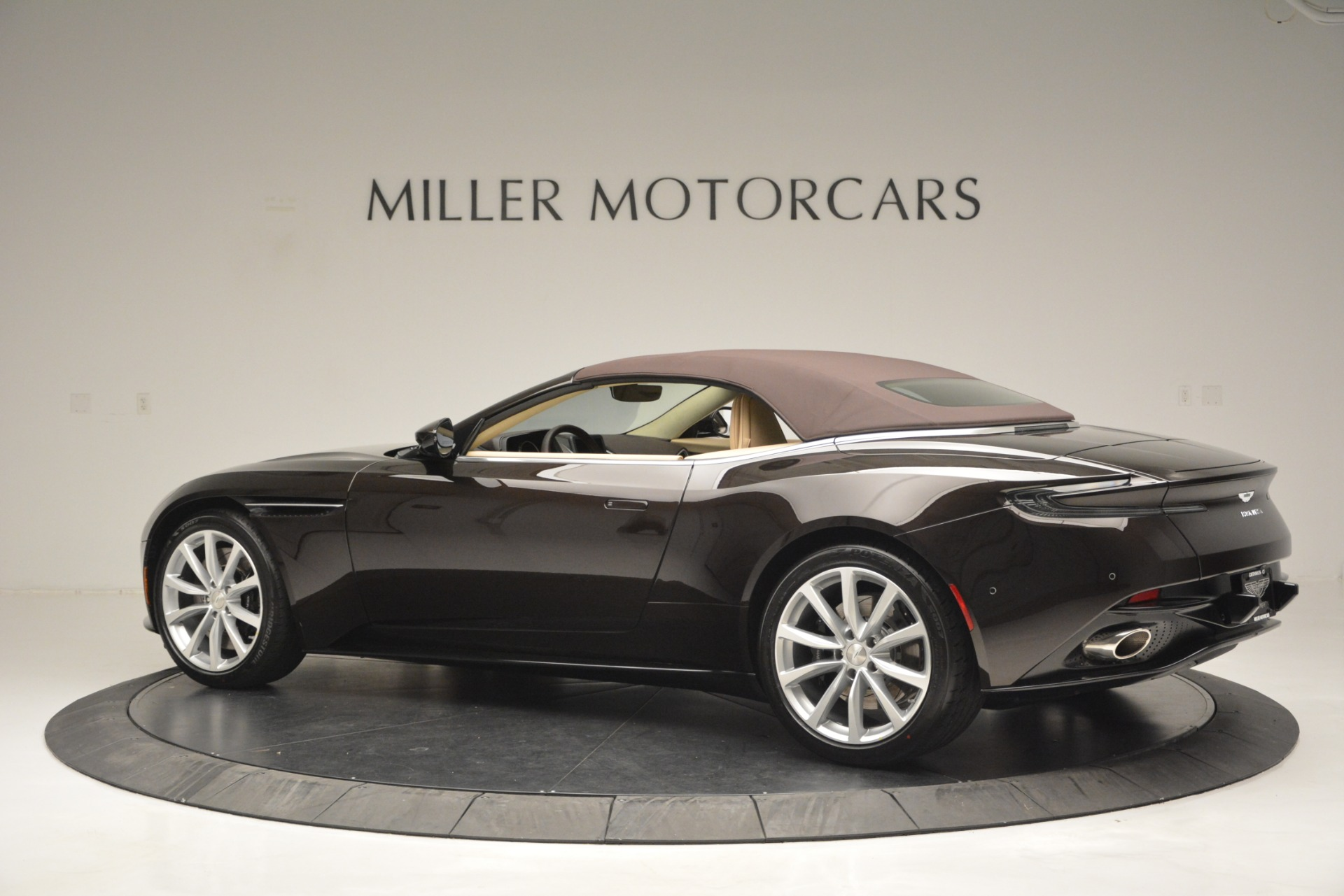 New 2019 Aston Martin DB11 V8 Convertible For Sale In Greenwich, CT. Alfa Romeo of Greenwich, A1338 2905_p16