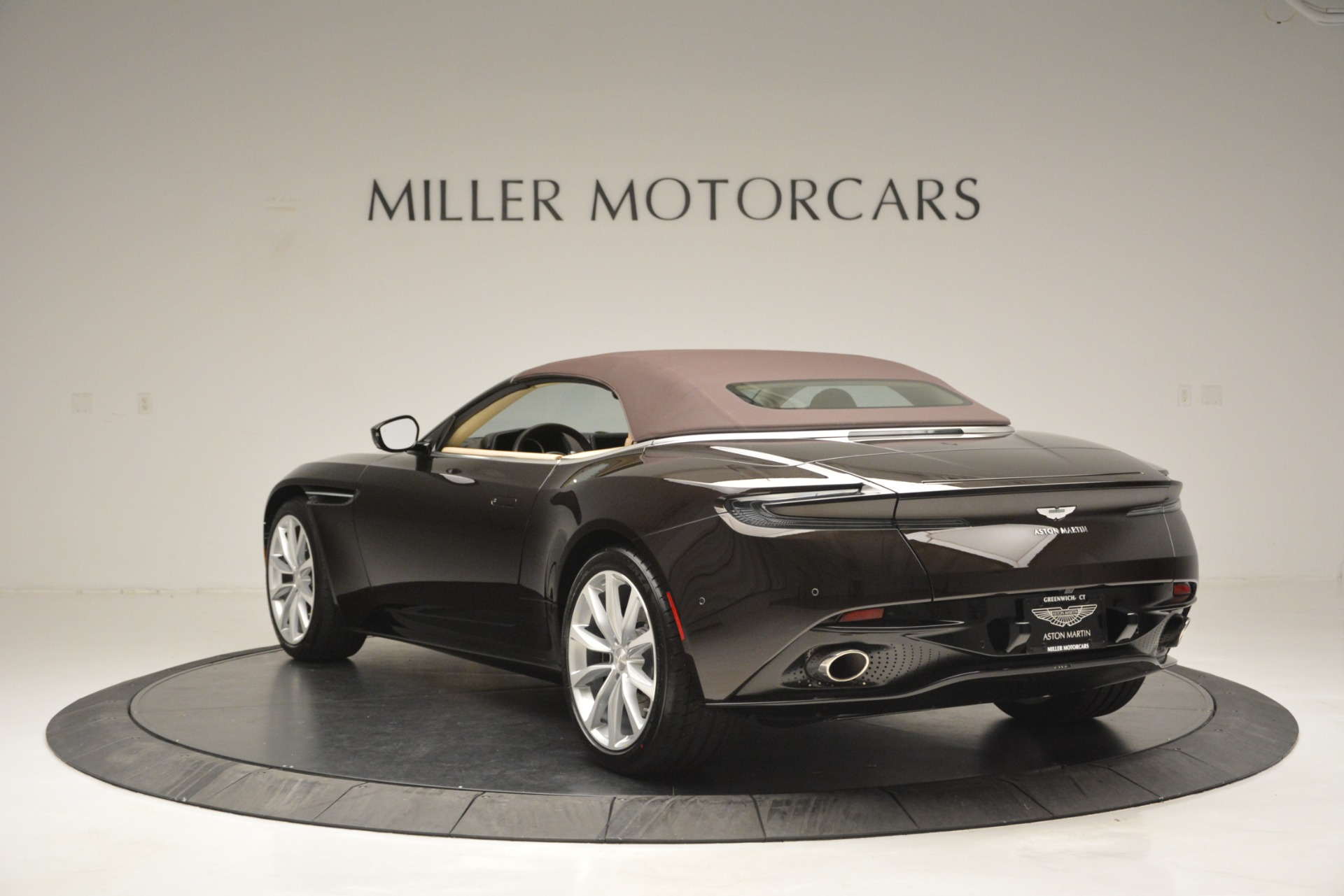 New 2019 Aston Martin DB11 V8 Convertible For Sale In Greenwich, CT. Alfa Romeo of Greenwich, A1338 2905_p17