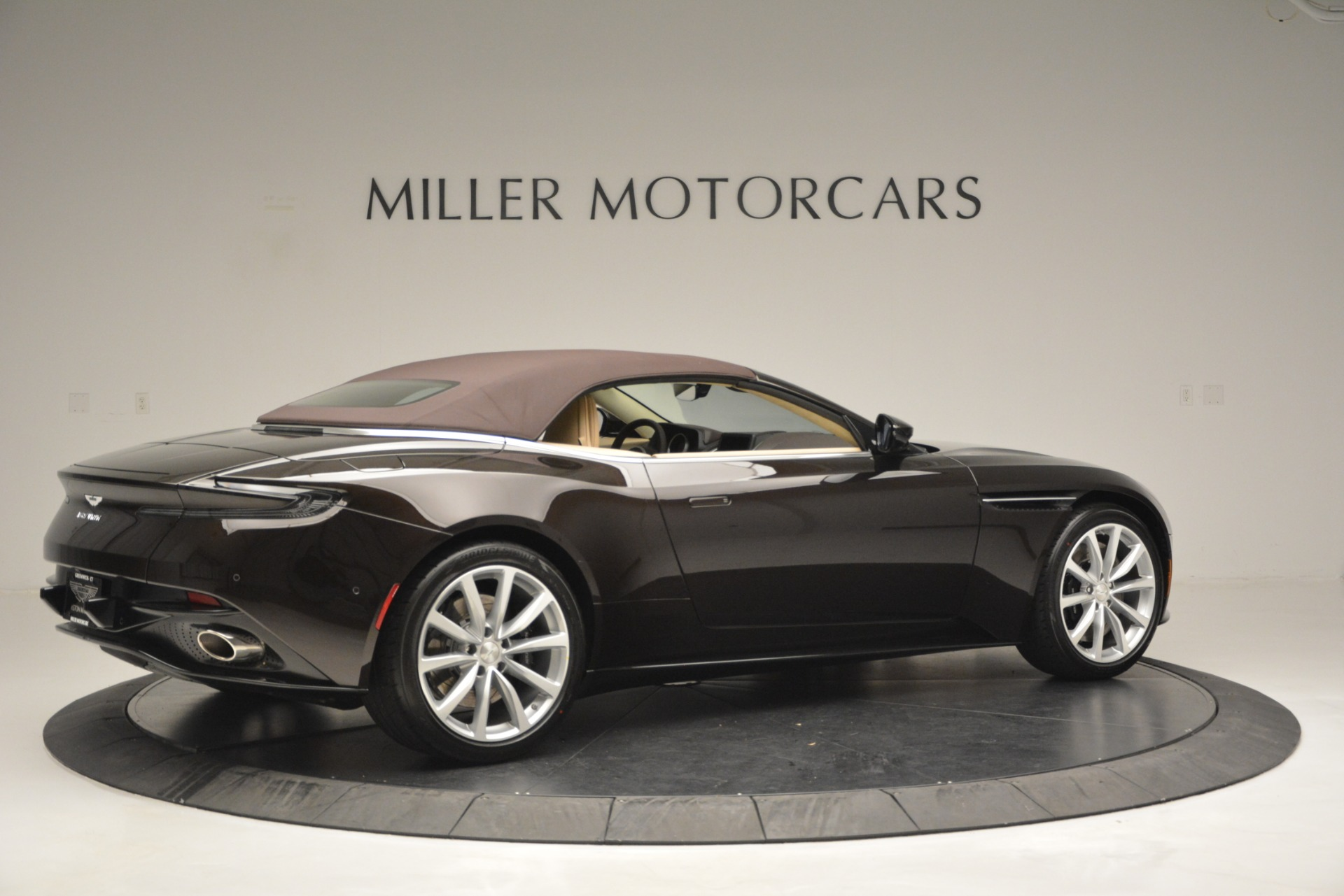 New 2019 Aston Martin DB11 V8 Convertible For Sale In Greenwich, CT. Alfa Romeo of Greenwich, A1338 2905_p20