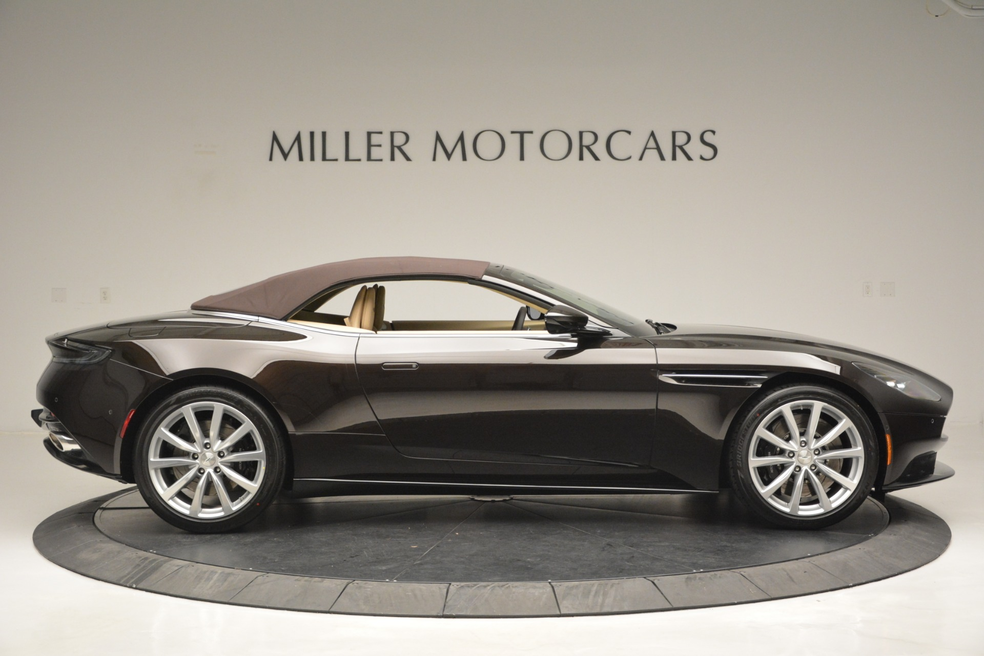 New 2019 Aston Martin DB11 V8 Convertible For Sale In Greenwich, CT. Alfa Romeo of Greenwich, A1338 2905_p21