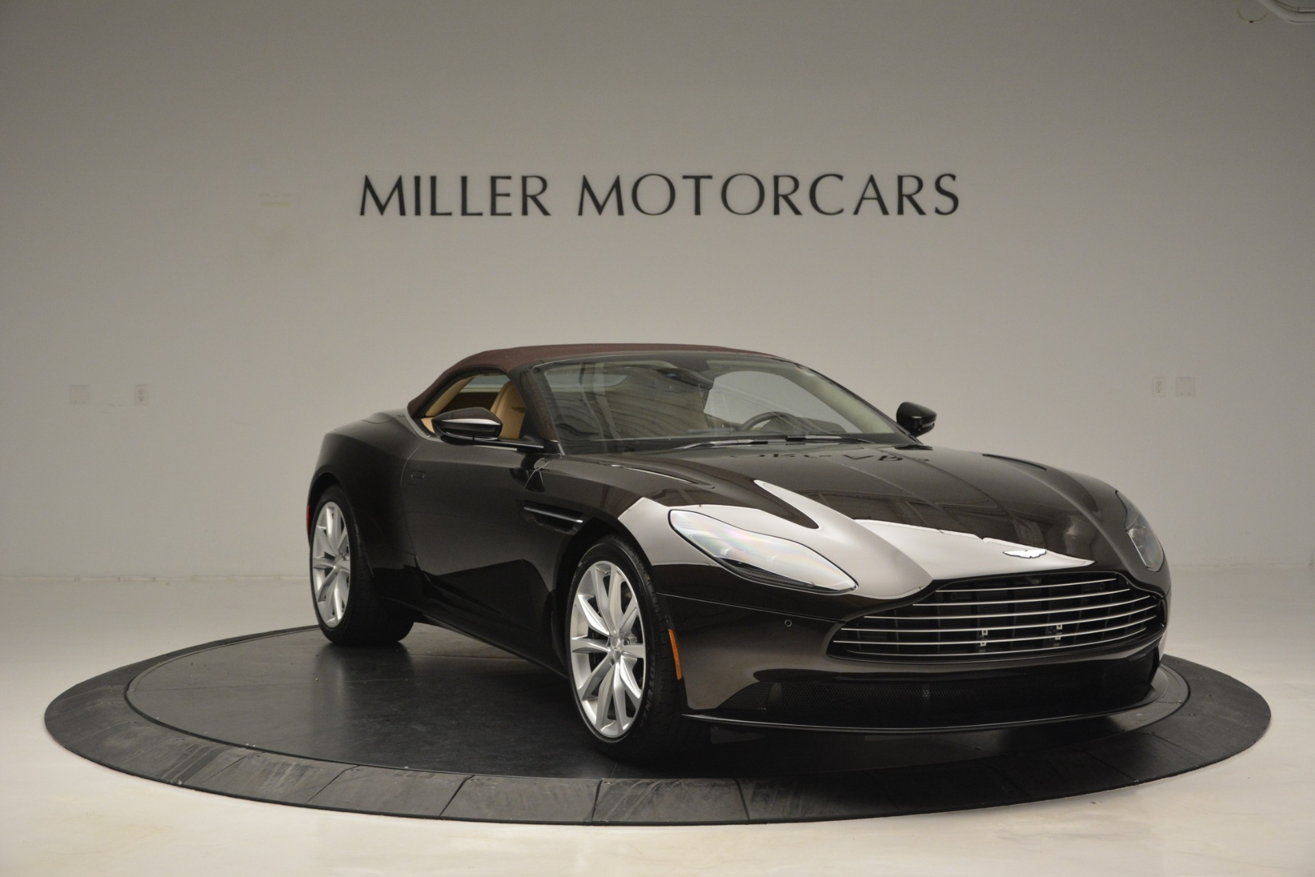 New 2019 Aston Martin DB11 V8 Convertible For Sale In Greenwich, CT. Alfa Romeo of Greenwich, A1338 2905_p23